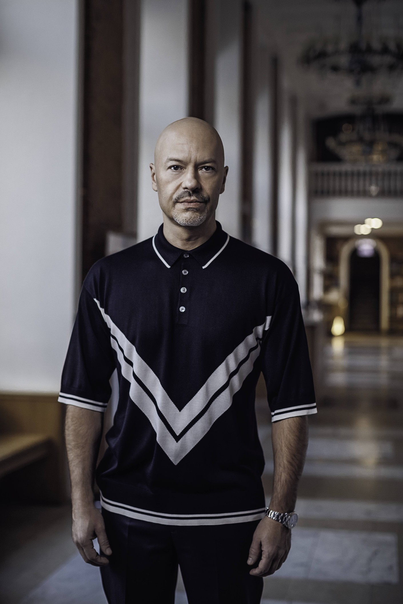 Поло Dolce & Gabbana, брюки Ermenegildo Zegna