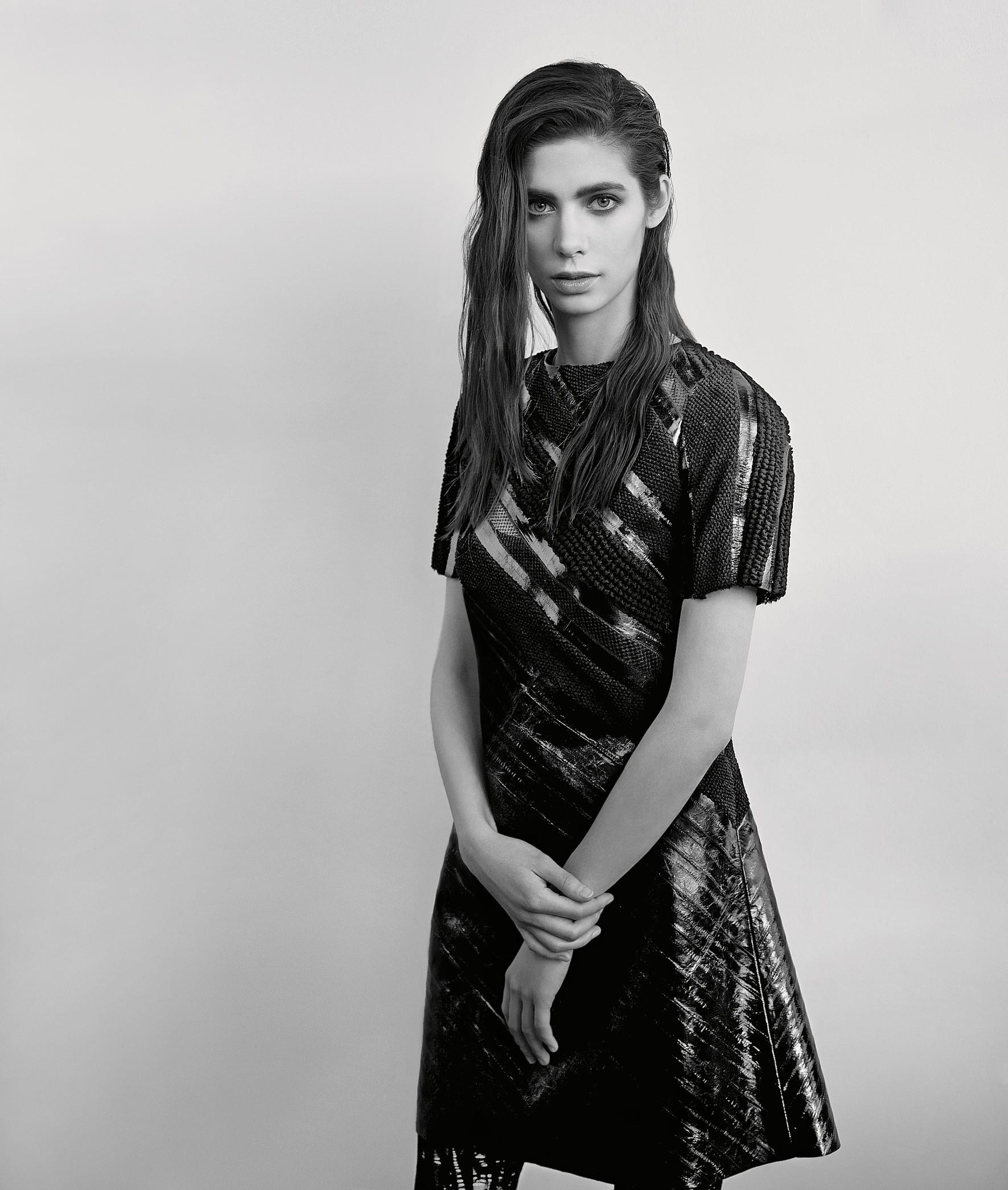 НаАсе: платье, легинсы LOUIS VUITTON