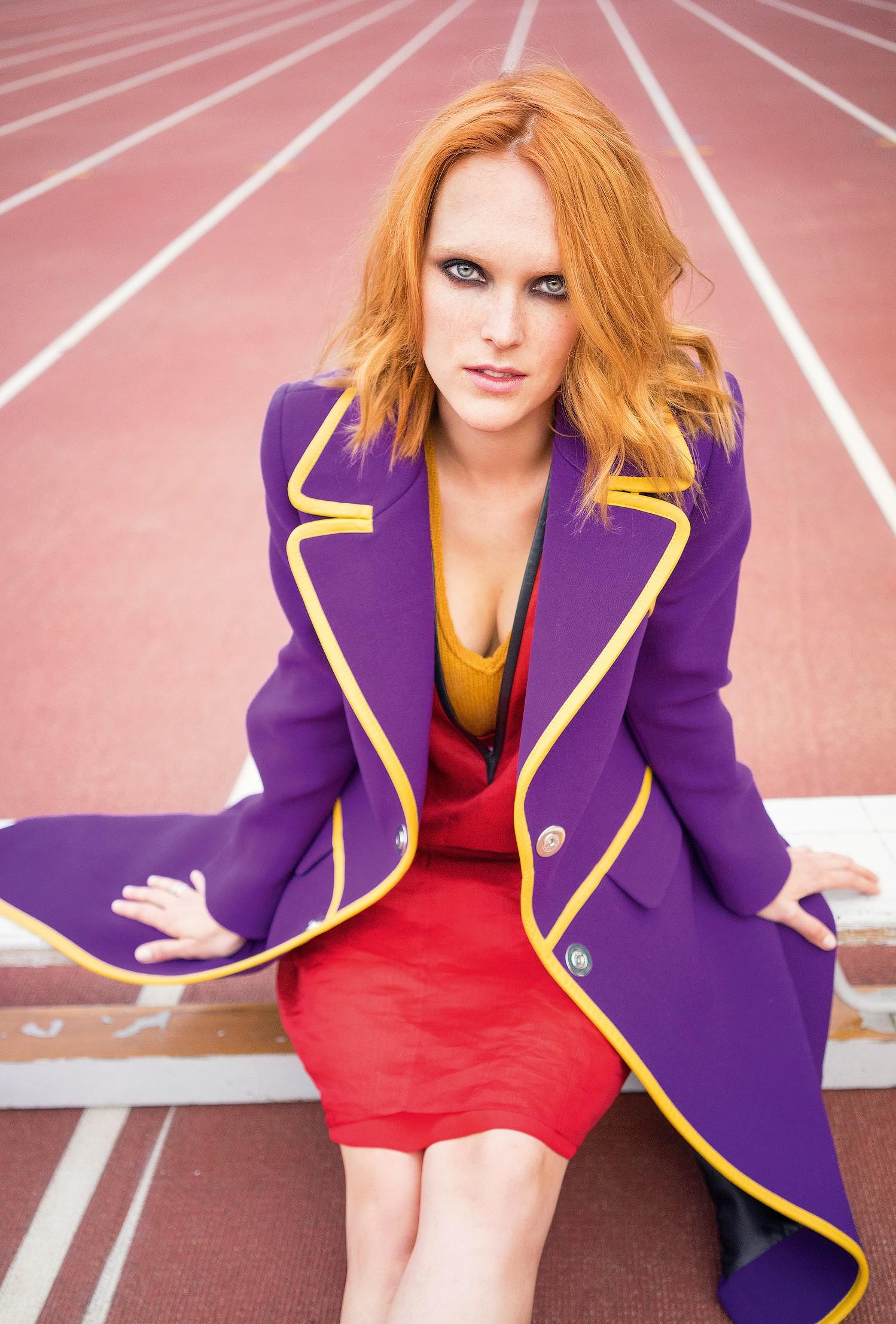 НаАлександре: пальто, платье ижилет PRADA