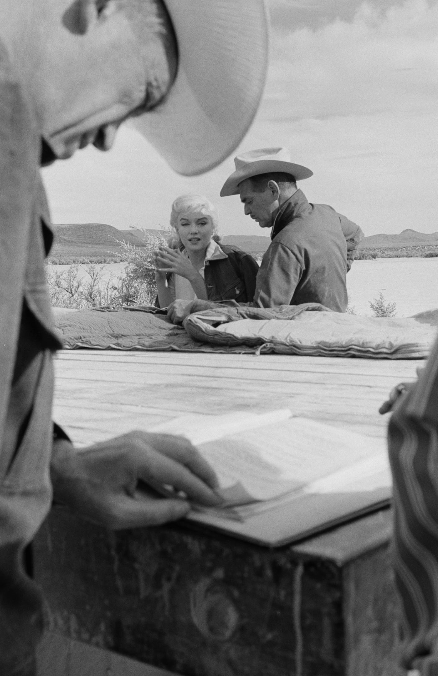«Неприкаянные» стали последним фильмом нетолько Монро, но иКларка Гейбла: он умер отсердечного приступа через12 дней после завершения съемок.