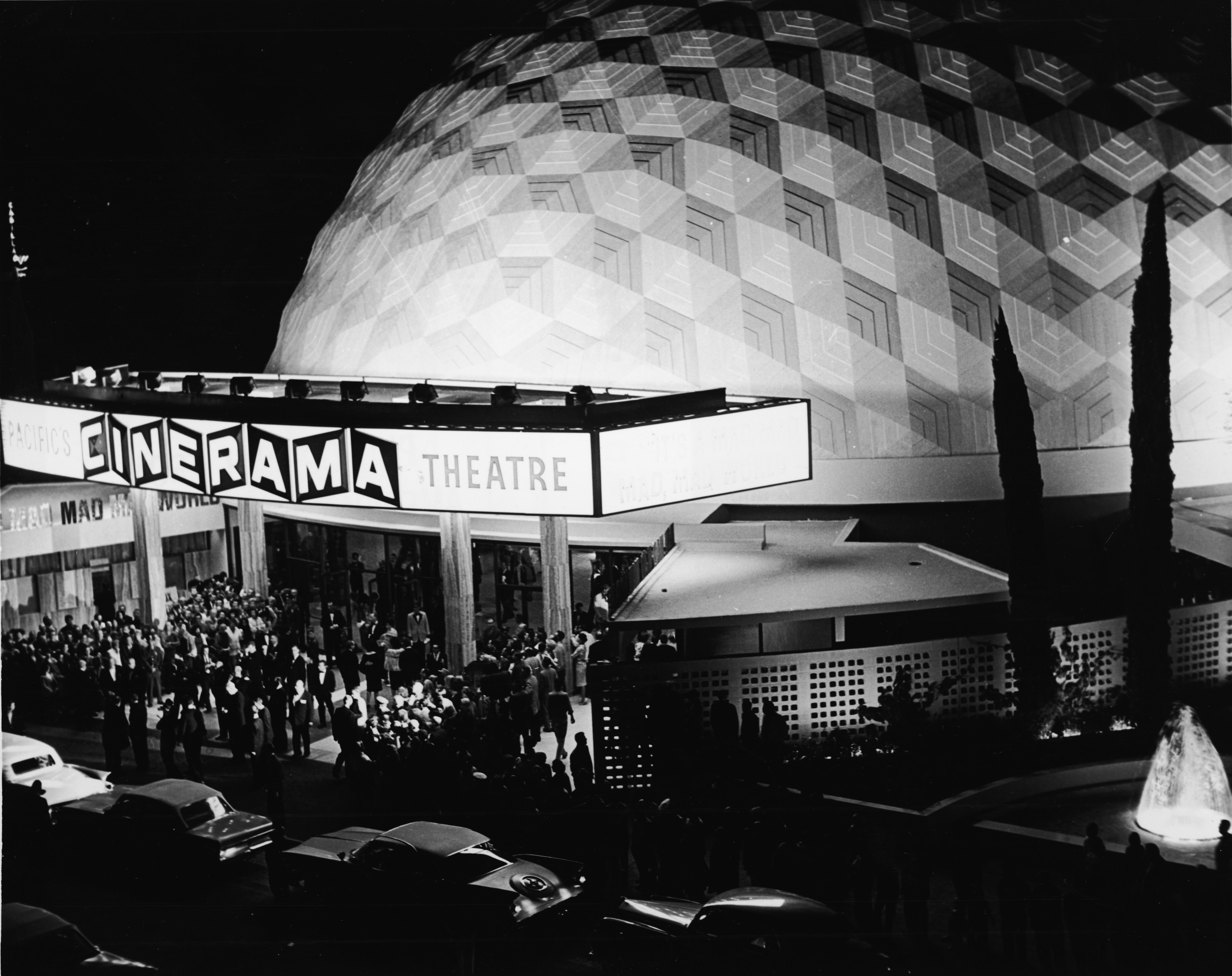 Кинотеатр Cinerama Dome в1965-м году.