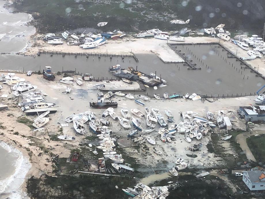 Сотрудники Береговой охраны США также участвуют впоисково-спасательной операции