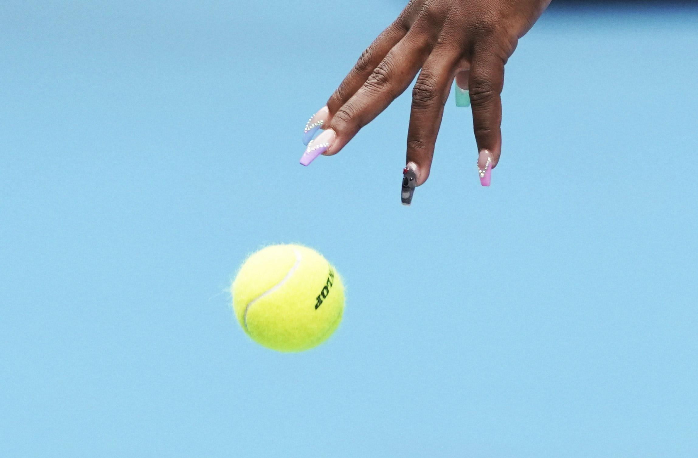 20 января: американская теннисистка Серена Уильямс во время первого круга матча сроссийской спортсменкой Анастасией Потаповой наОткрытом чемпионате Австралии потеннису вМельбурне.