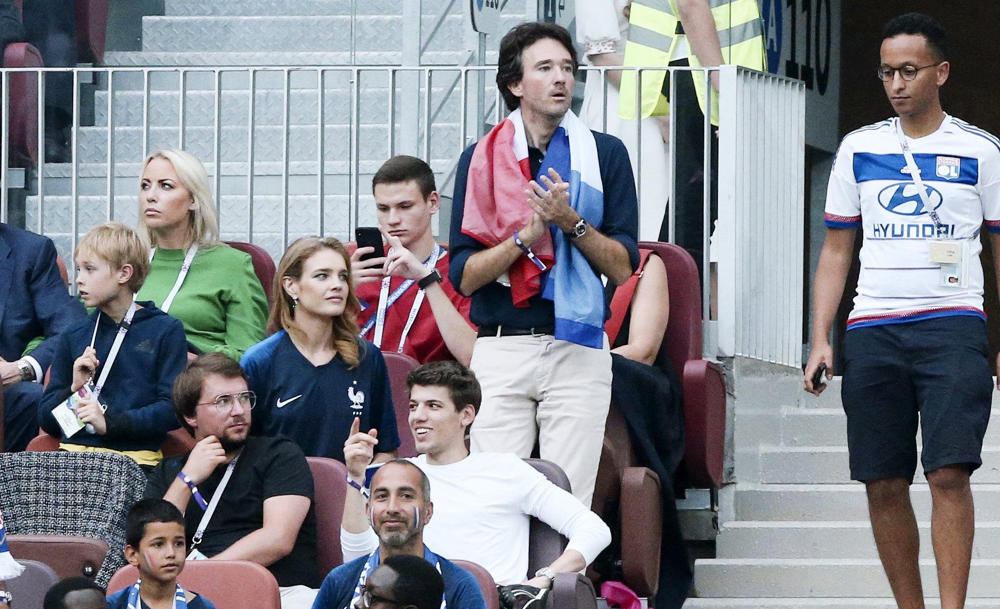 Антуан Арно иего жена Наталья Водянова нафинальном матче между Францией иХорватией