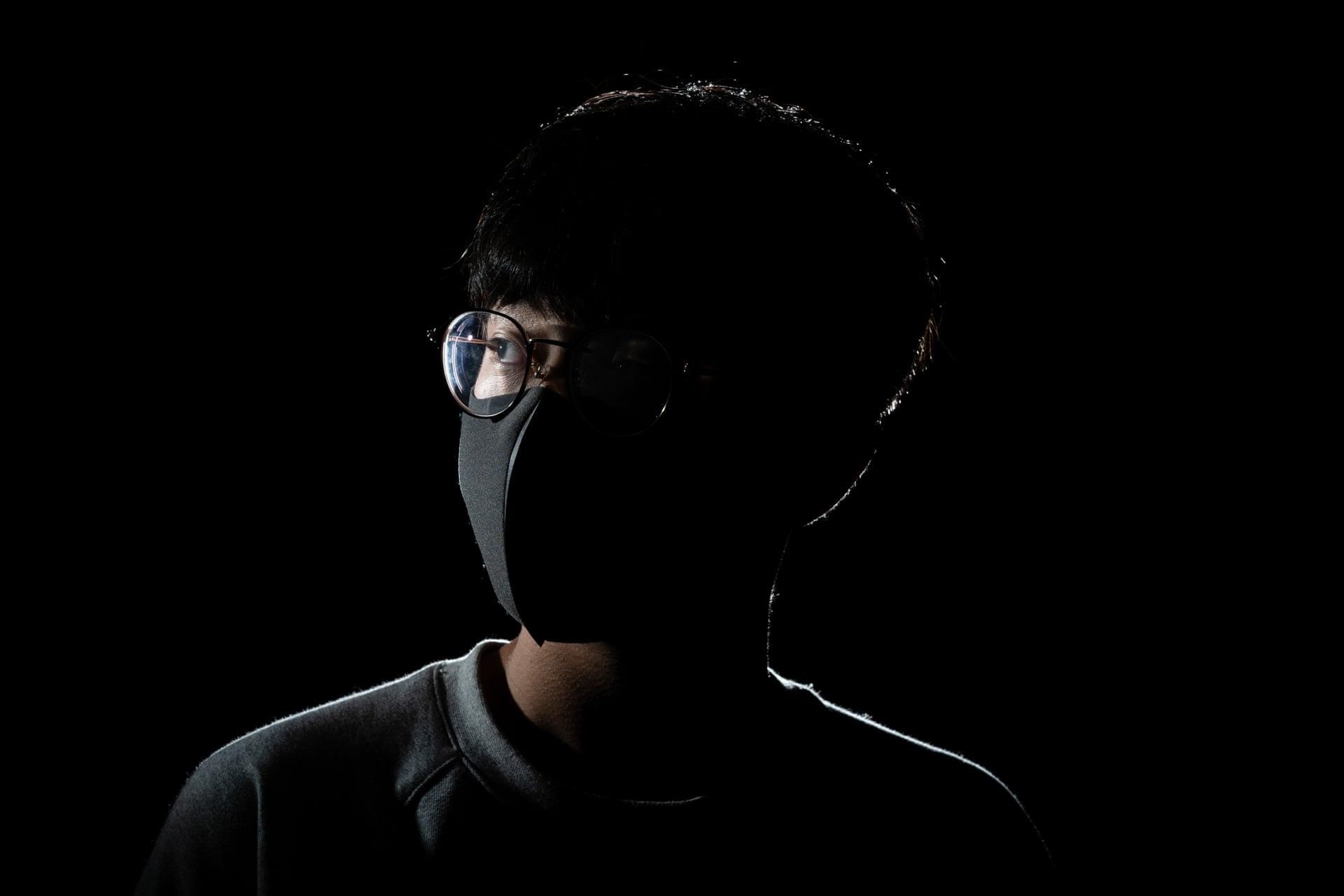 Победитель вкатегории «Документальная фотография» (Documentary) — Чан Минь Ко / Chung Ming Ko (Гонконг) засерию «Раны Гонконга» / Wounds of Hong Kong