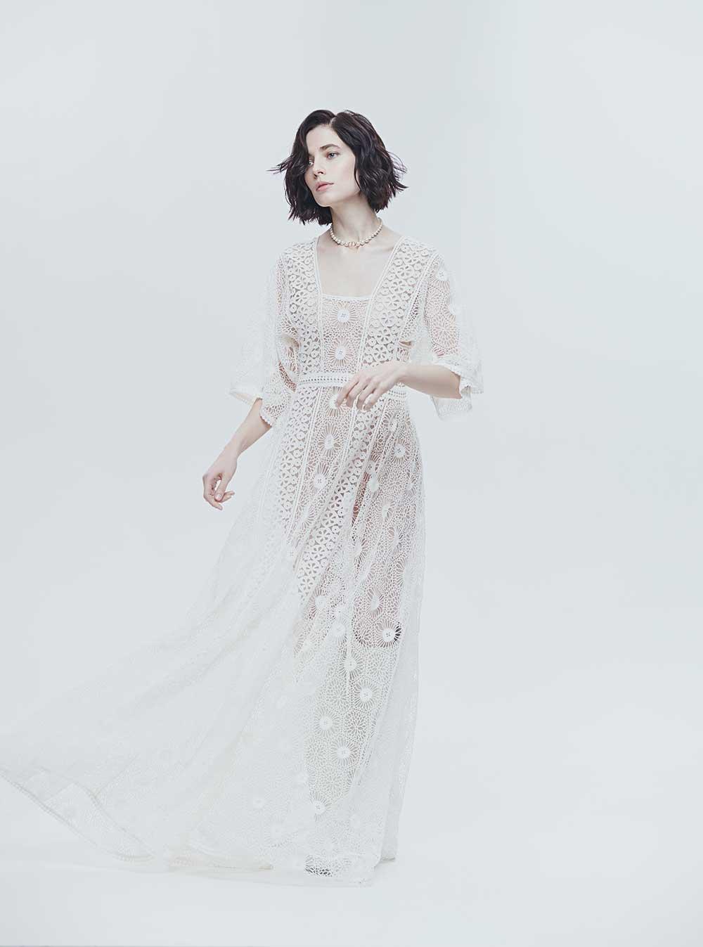 Колье, платье исапоги, все Dior