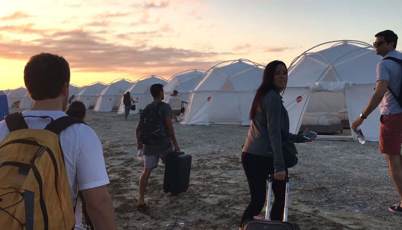 Палатки вместо вилл