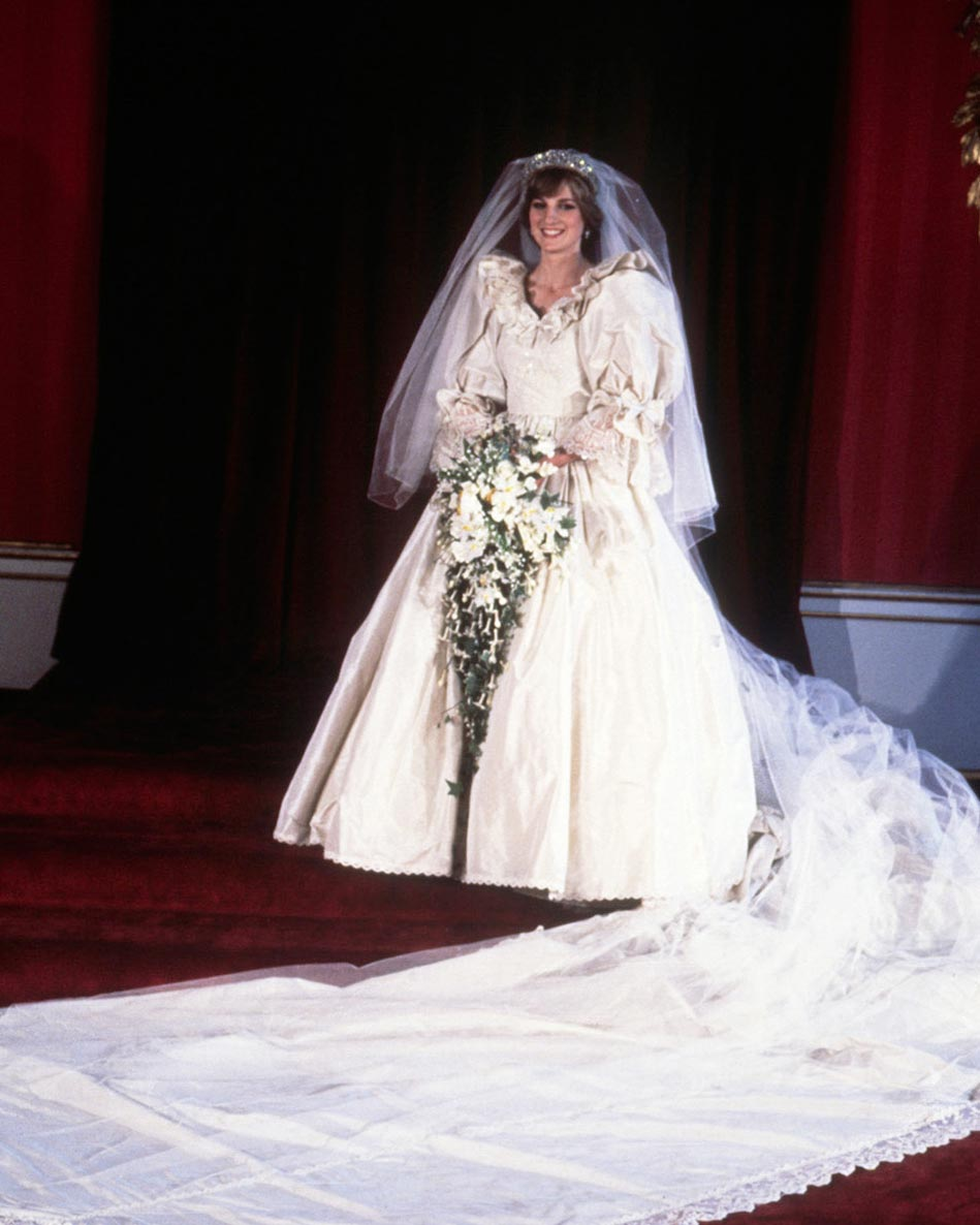 Diana, Princess of Wales, in her bridal dress on the day of her wedding to Prince Charles. (Photo by  Hulton-Deutsch Collection/CORBIS/Corbis via Getty Images)