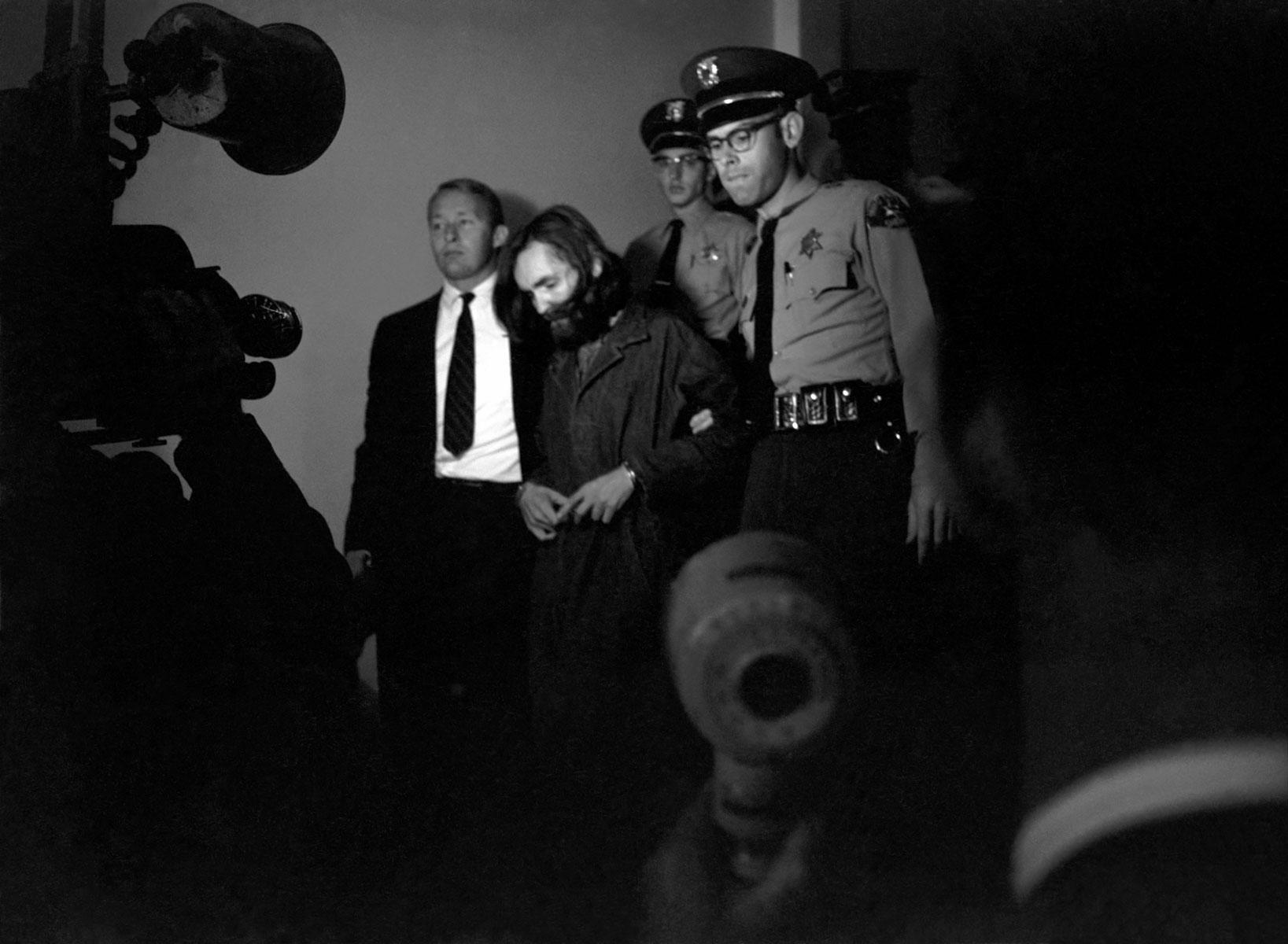 Чарльз Мэнсон всуде. 1969 год