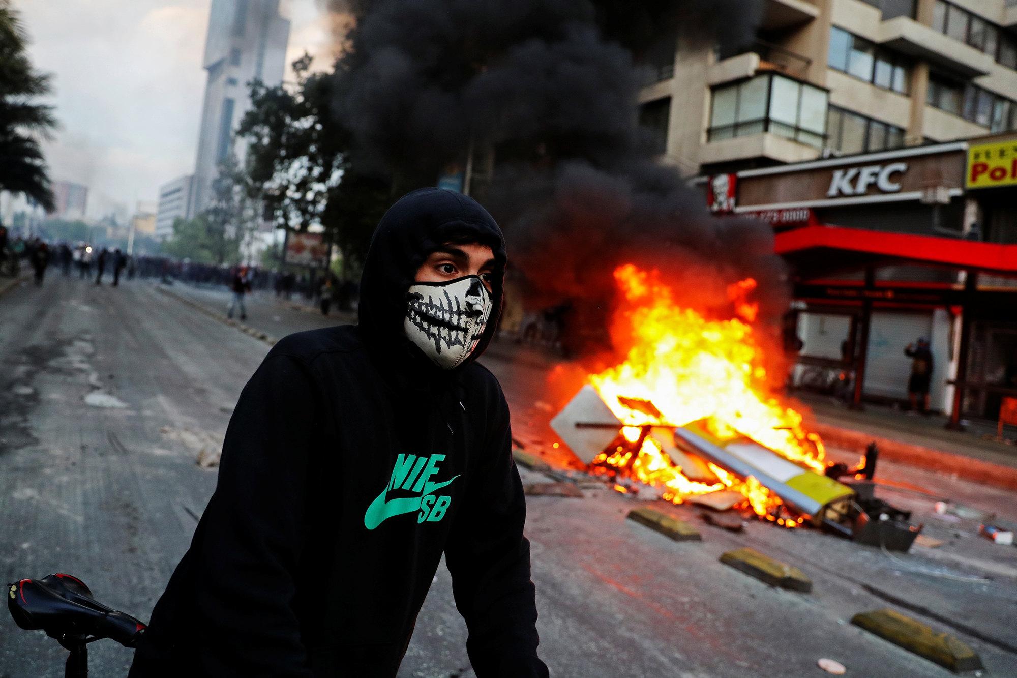 Протестующий вСантьяго