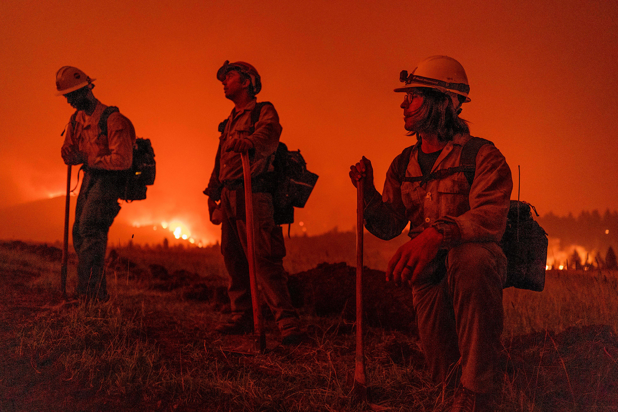 Markleeville, California, USA. 17th July, 2021. U.S. Forest Service firefighters monitor the Tamarack Fire just outside of the center of Markleeville. (