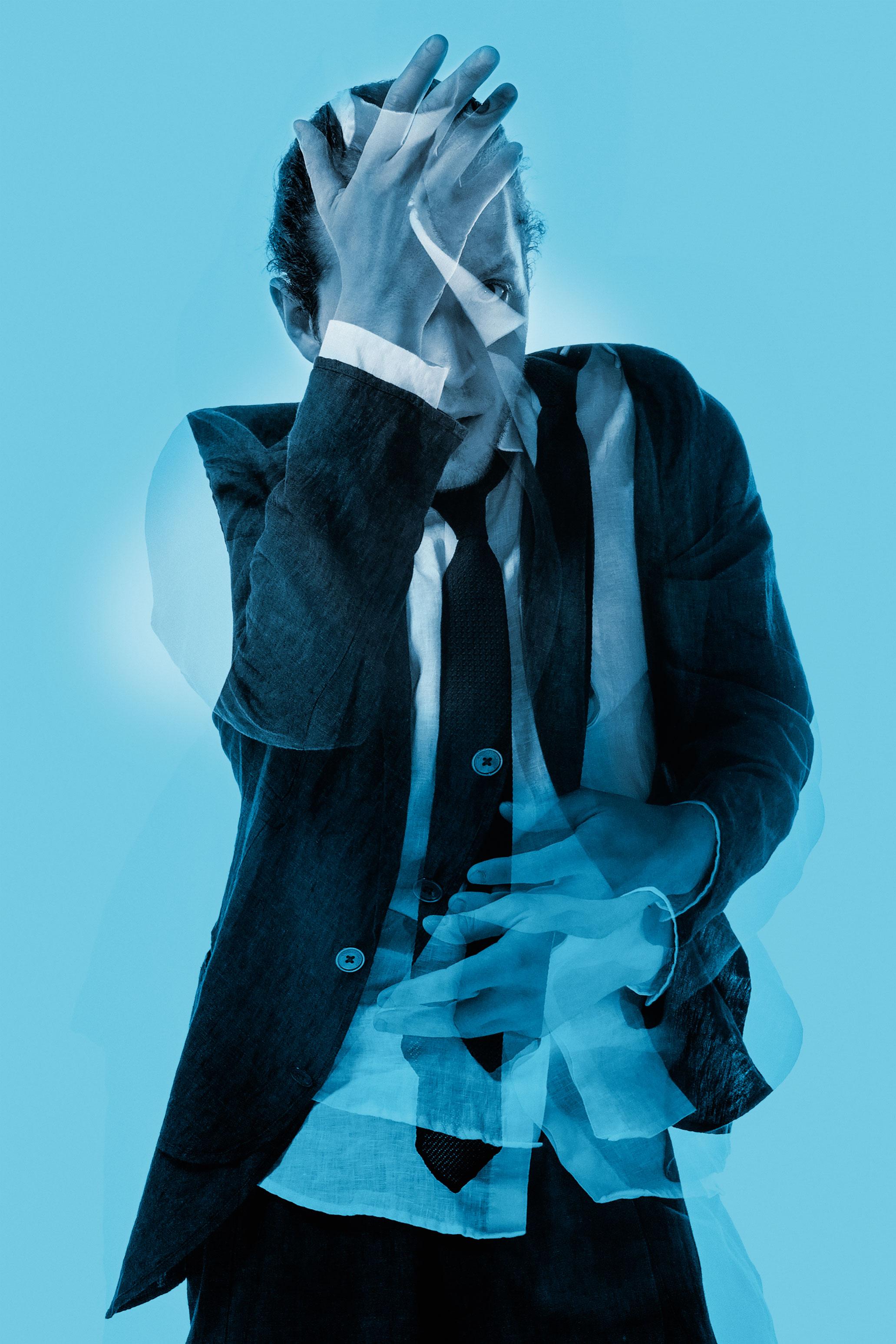 Пиджак ирубашка Emporio Armani; галстук Boss