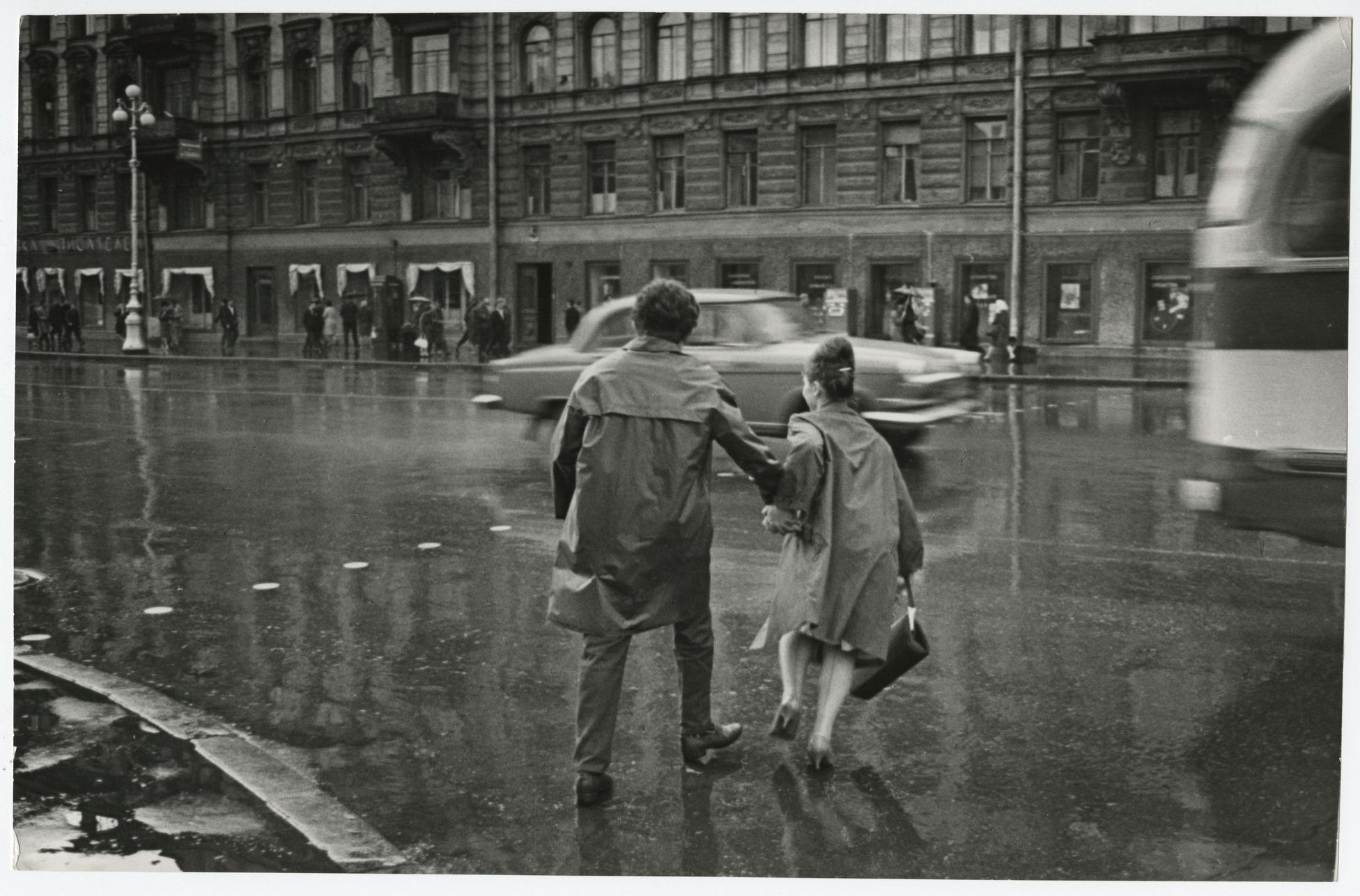 Всеволод Тарасевич. Безназвания. Изсерии «Невский проспект». Ленинград, 1965.