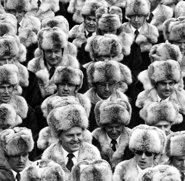 Советская сборная нацеремонии открытия Олимпиады вИнсбруке, 1976 год.