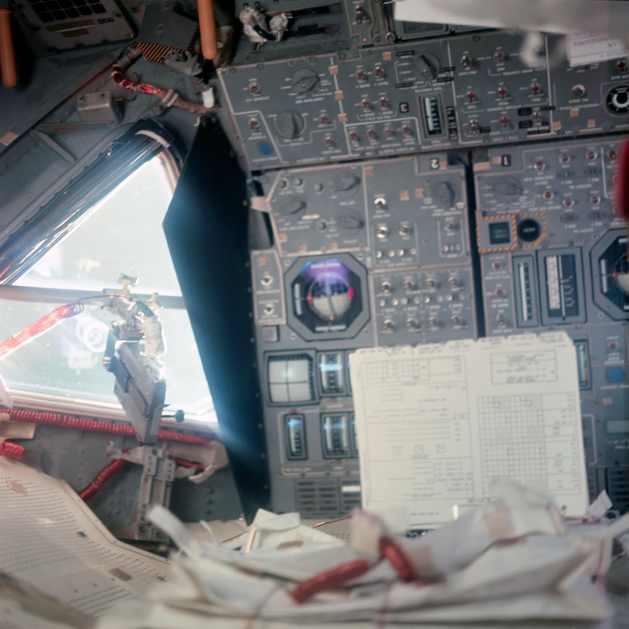 Рабочее место Армстронга влунном модуле «Орел»