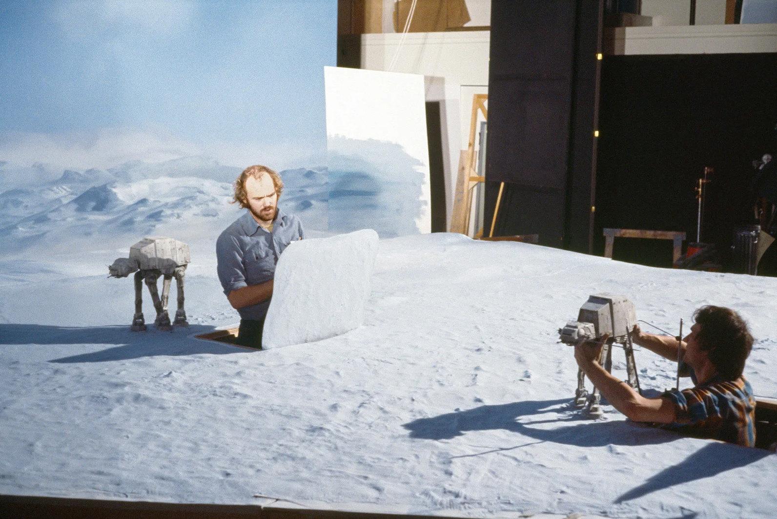 «Империя наносит ответный удар» (1980): Аниматоры Фил Типпетт иДжон Берг создают сцену Битвы приХоте.