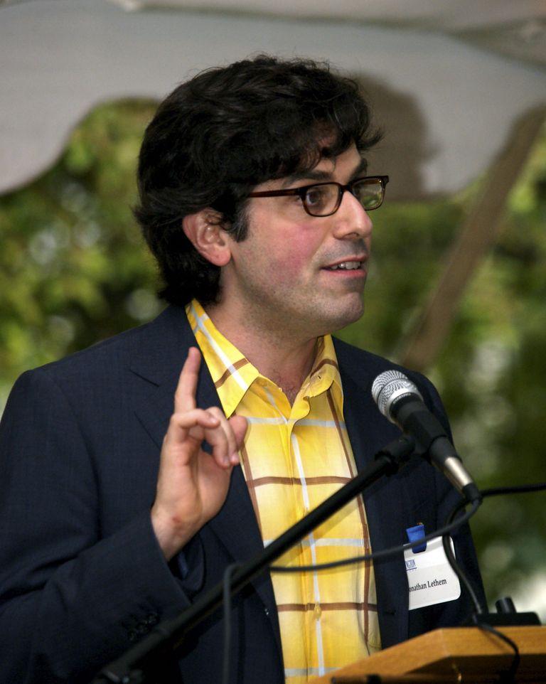 Джонатан Летем произносит напутственную речь вБеннингтоне, 2005 год.