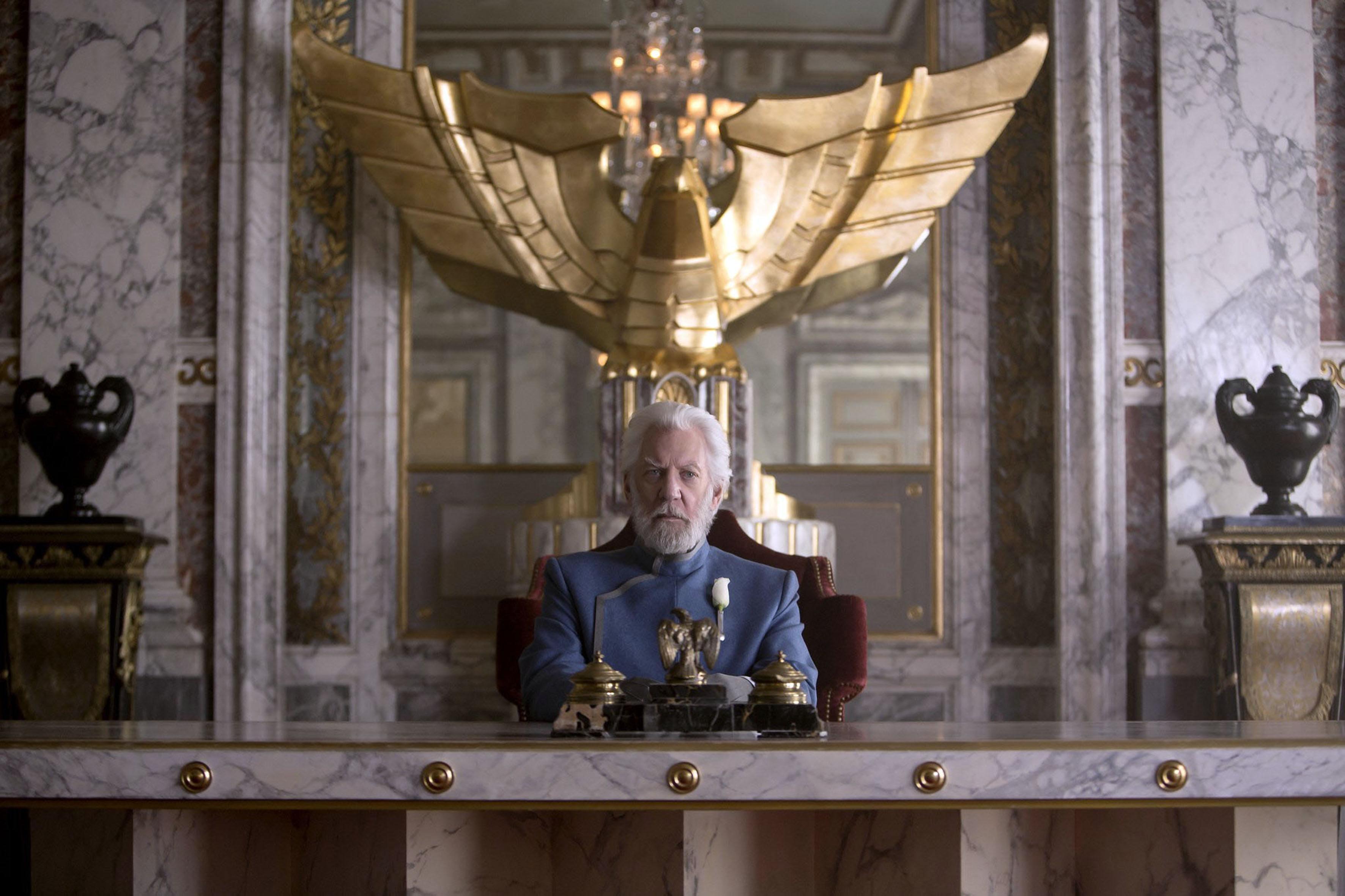 Дональд Сазерленд вроли Кориолана Сноу вэкранизации «Голодных игр»