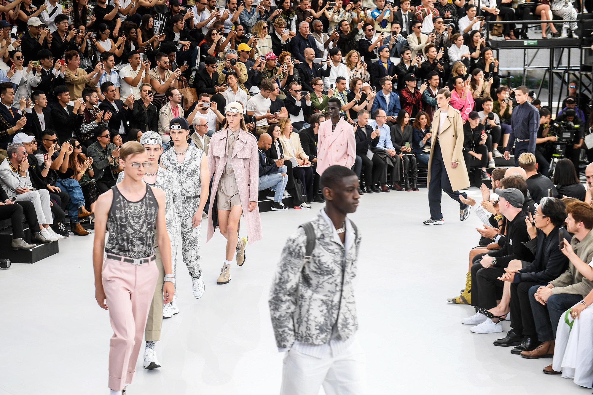 Финал показа Dior Homme весна-лето 2019