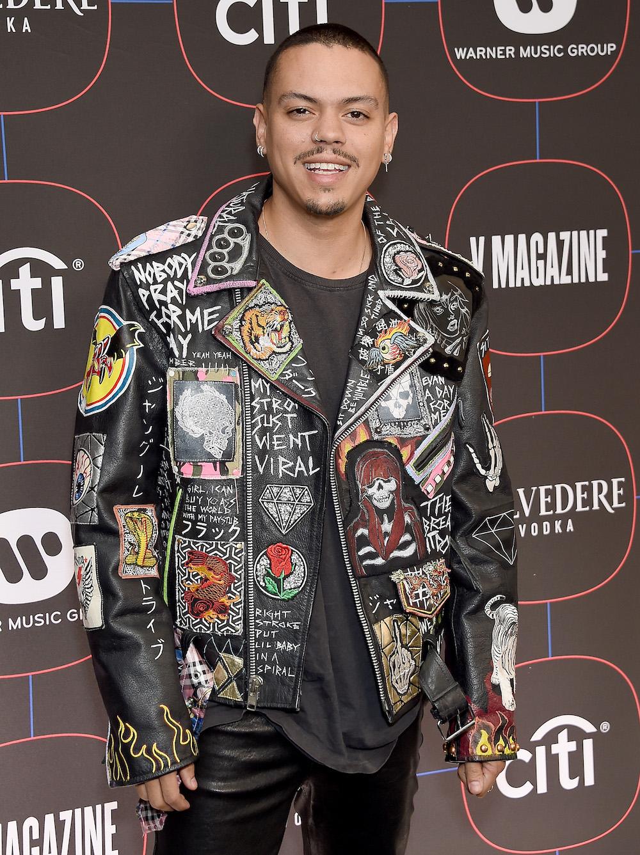 Эван Росс намероприятии Warner Music Group Pre-Grammy Celebration