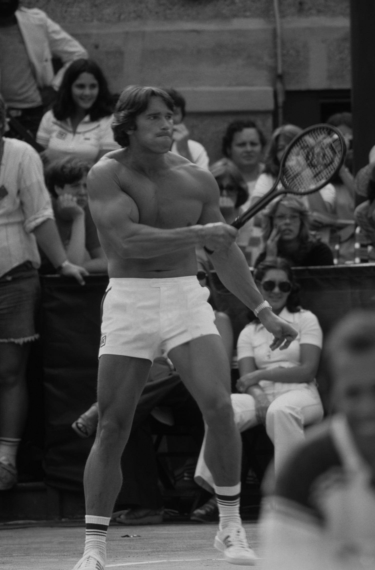 Арнольд Шварценеггер натеннисном турнире, 1977