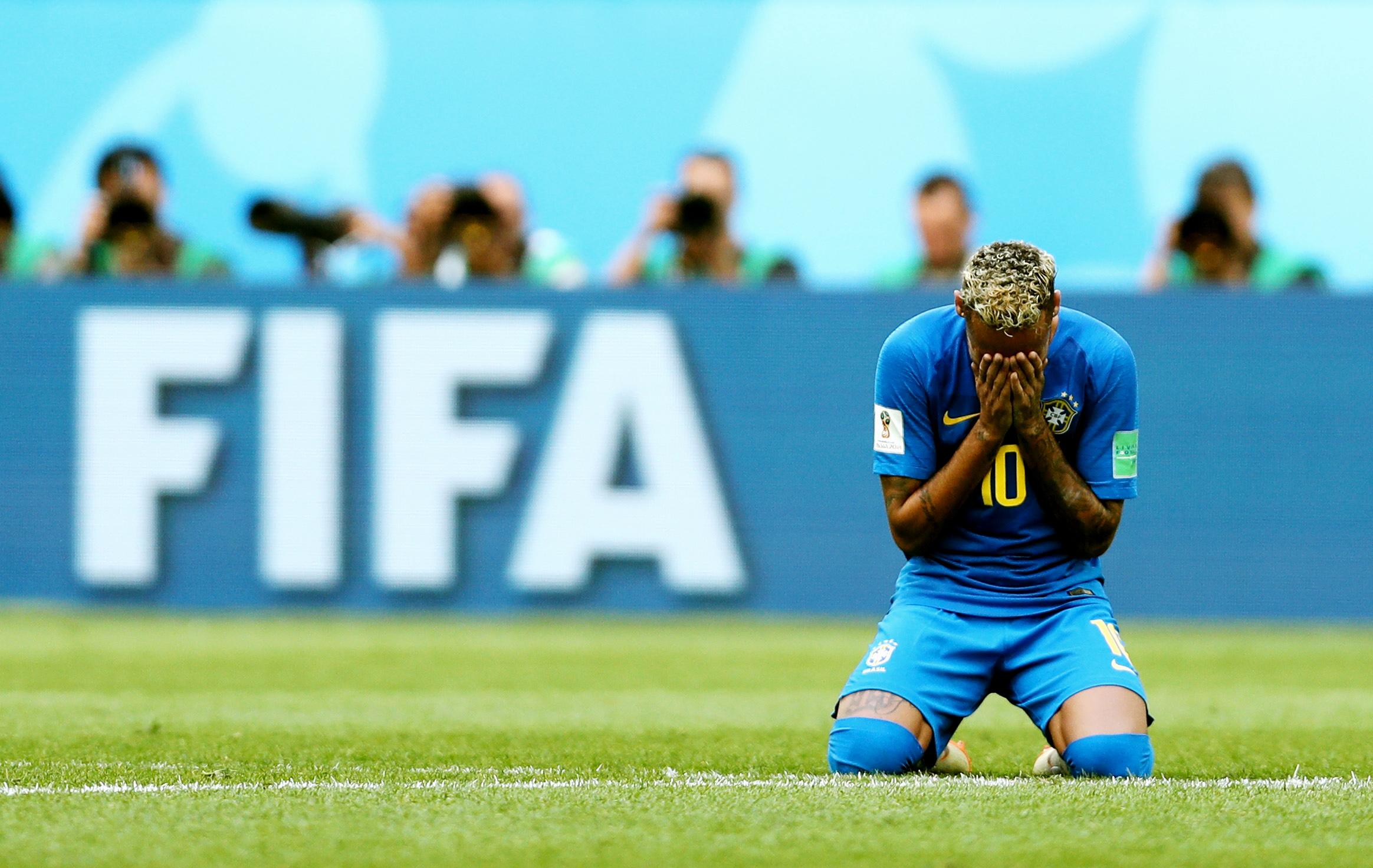 Неймар дал волю эмоциям после сложного матча сКоста-Рикой, который закончился победой бразильцев со счетом 2:0.