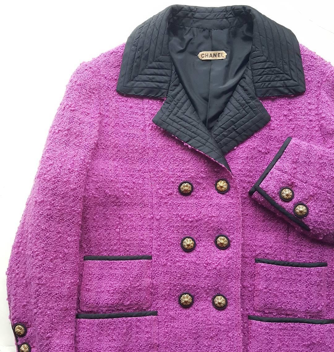 Оригинальный костюм изколлекции Chanel осень-зима 1961, помотивам которого сшили наряд Жаклин Кеннеди