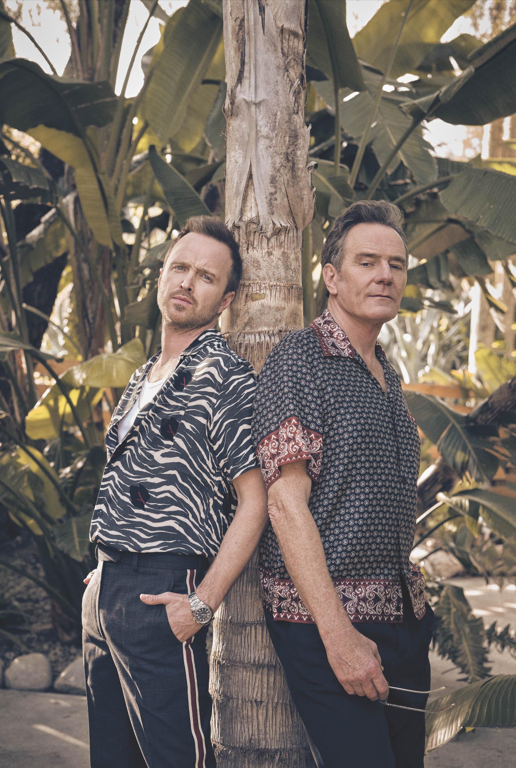 На Аароне:рубашка AllSaints; футболка ибрюки Calvin Klein; цепочка David Yurman; часы Rolex (собственность актера).На Брайане:рубашка Dolce & Gabbana; брюки Mango; солнцезащитные очки Oliver Peoples