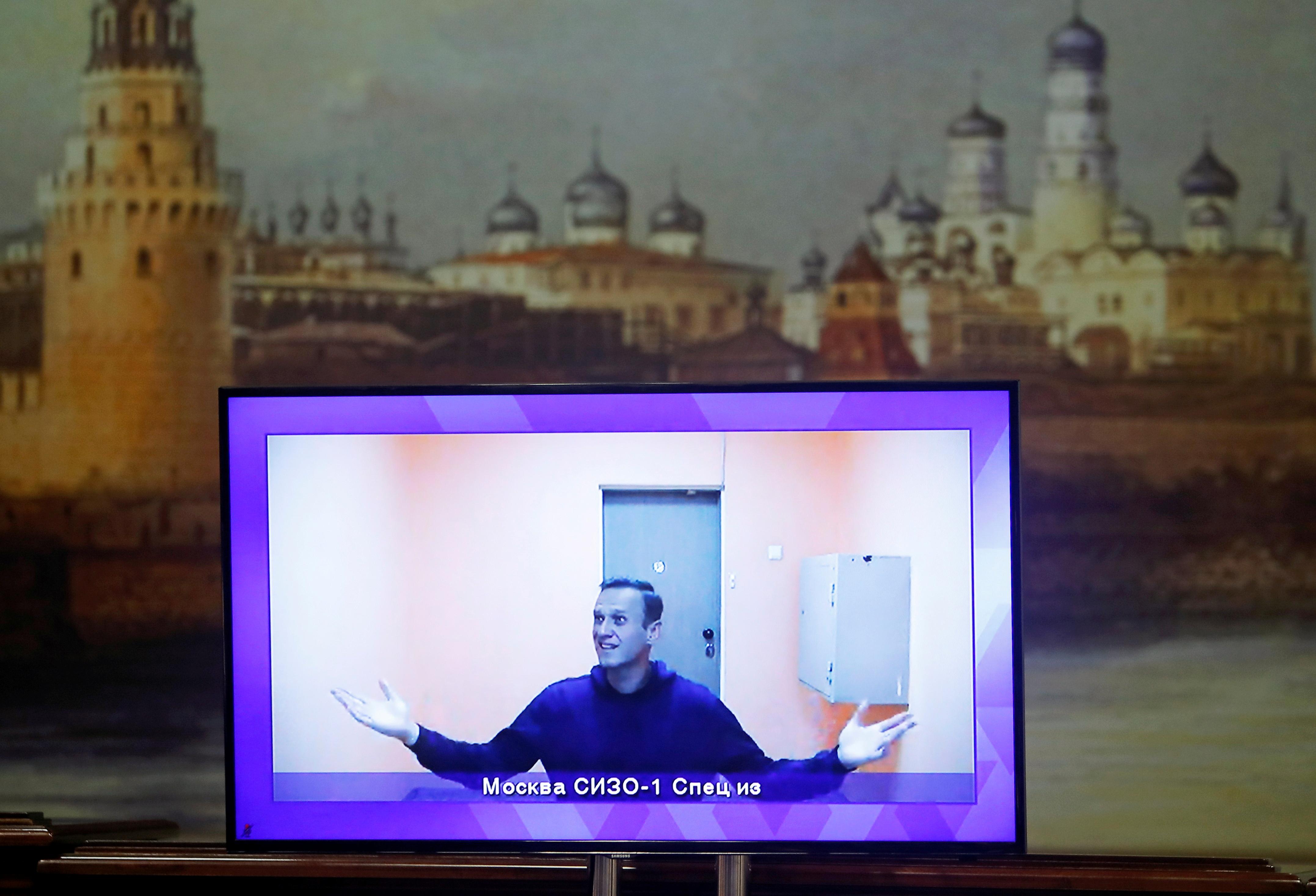 Трансляция время судебного заседания порассмотрению апелляции наарест Алексея Навального, Москва, Россия, 28 января 2021 года