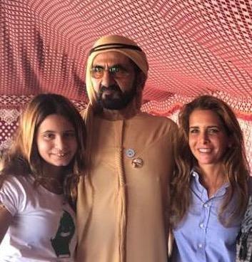 Шейх Дубая Мухаммед аль-Мактум, принцесса Хайя бинт аль-Хусейн (справа) иих дочь Аль Джалиля