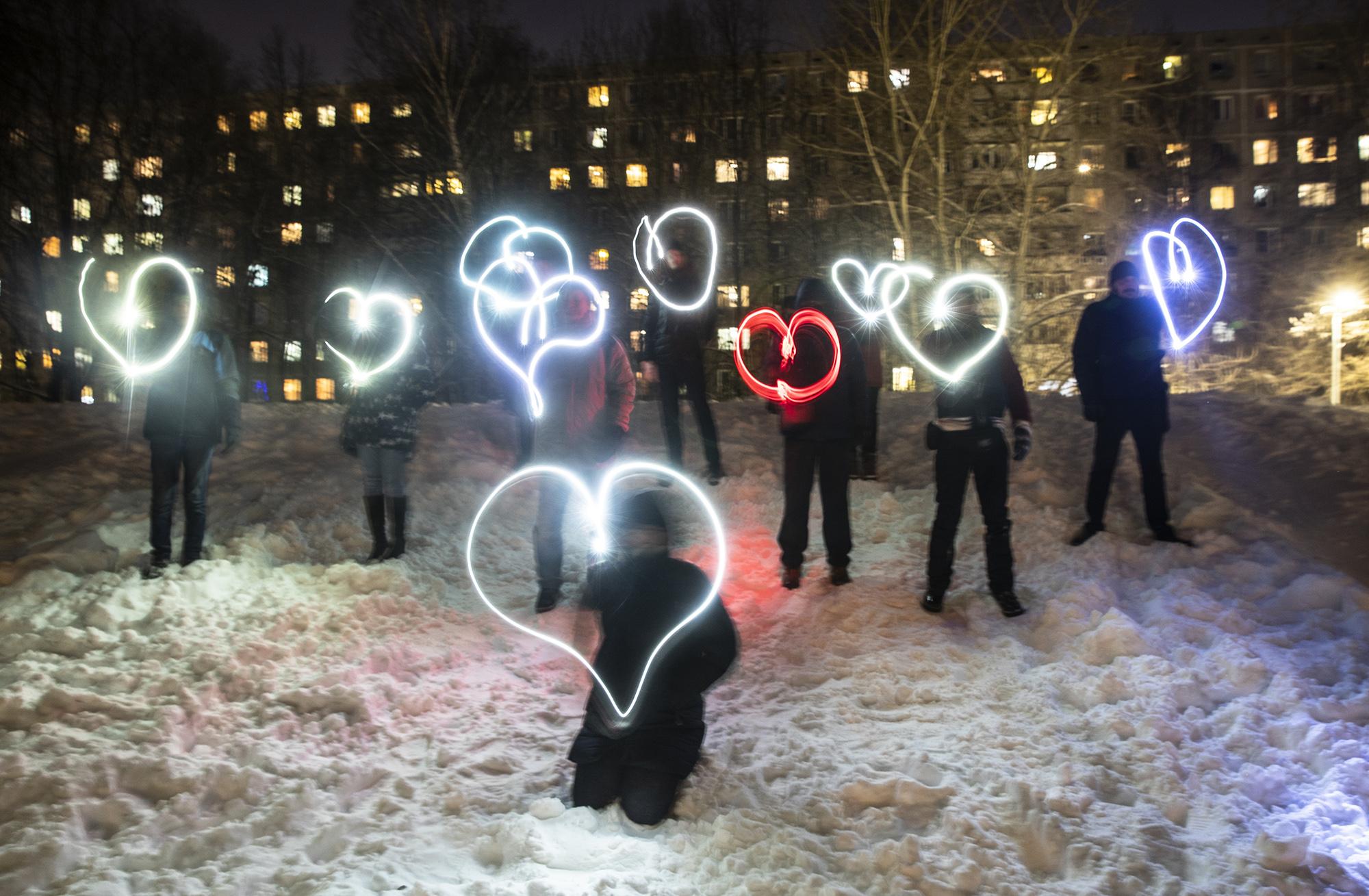 навальный зажженные фонарики акция 14 февраля