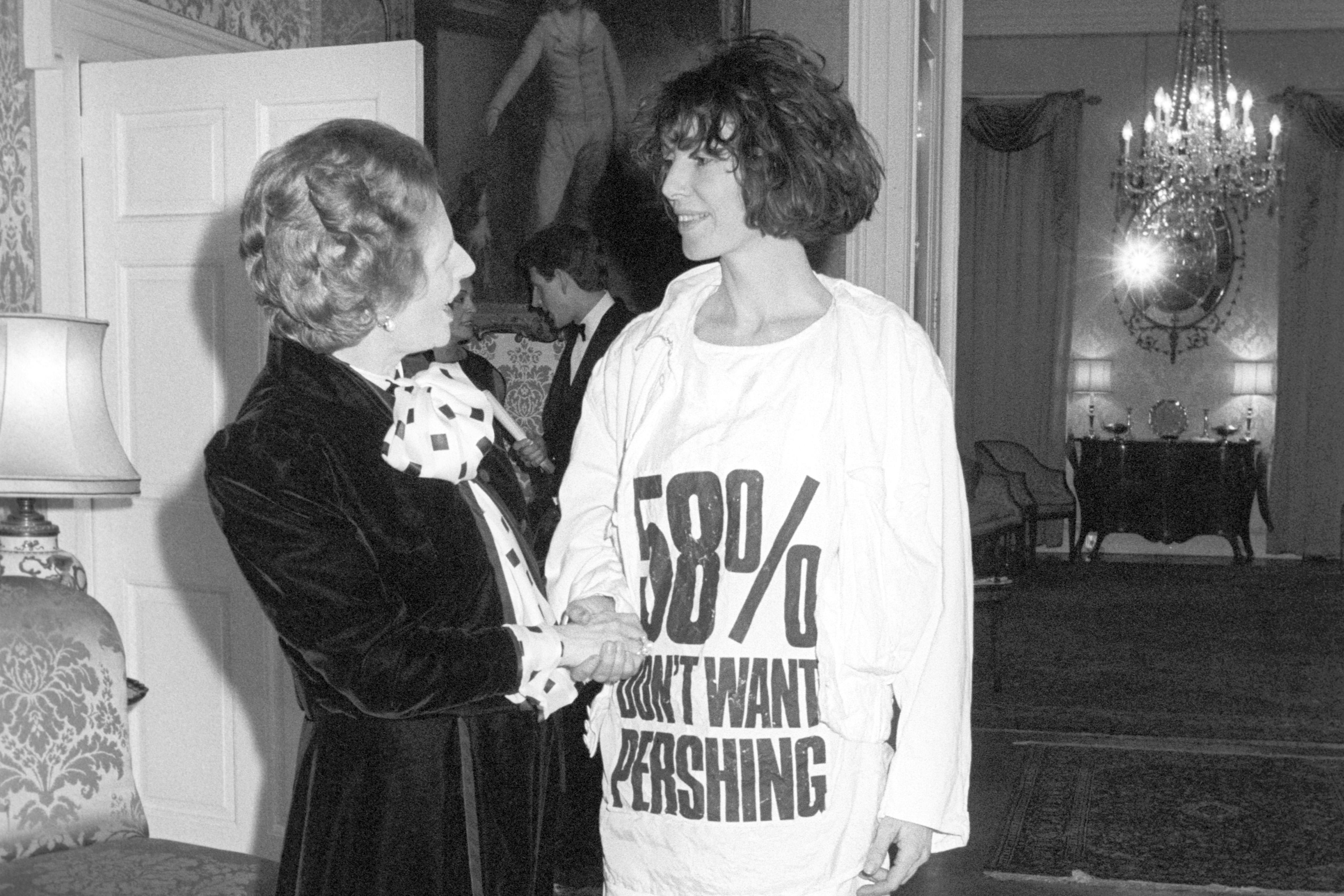 Кэтрин Хэмнетт навстрече сМаргарет Тетчер, 1984