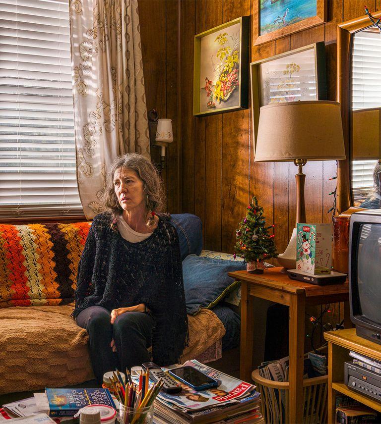 Шерил Стивенвыросла вюжном Техасе, ичетыре поколения ее семьи отдыхали напляже Бока Чика. Взрелом возрасте она жила вОстине, пока тот нестал слишком людным идорогим; потом переехала вПортленд, скоторым все повторилось. Когда ее бабушка заболела, она вернулась вТехас ив 2005 году купила один из«Капута-домов». Если ибыло какое-то место, которому негрозила джентрификация, — оно, как ей казалось, было здесь.