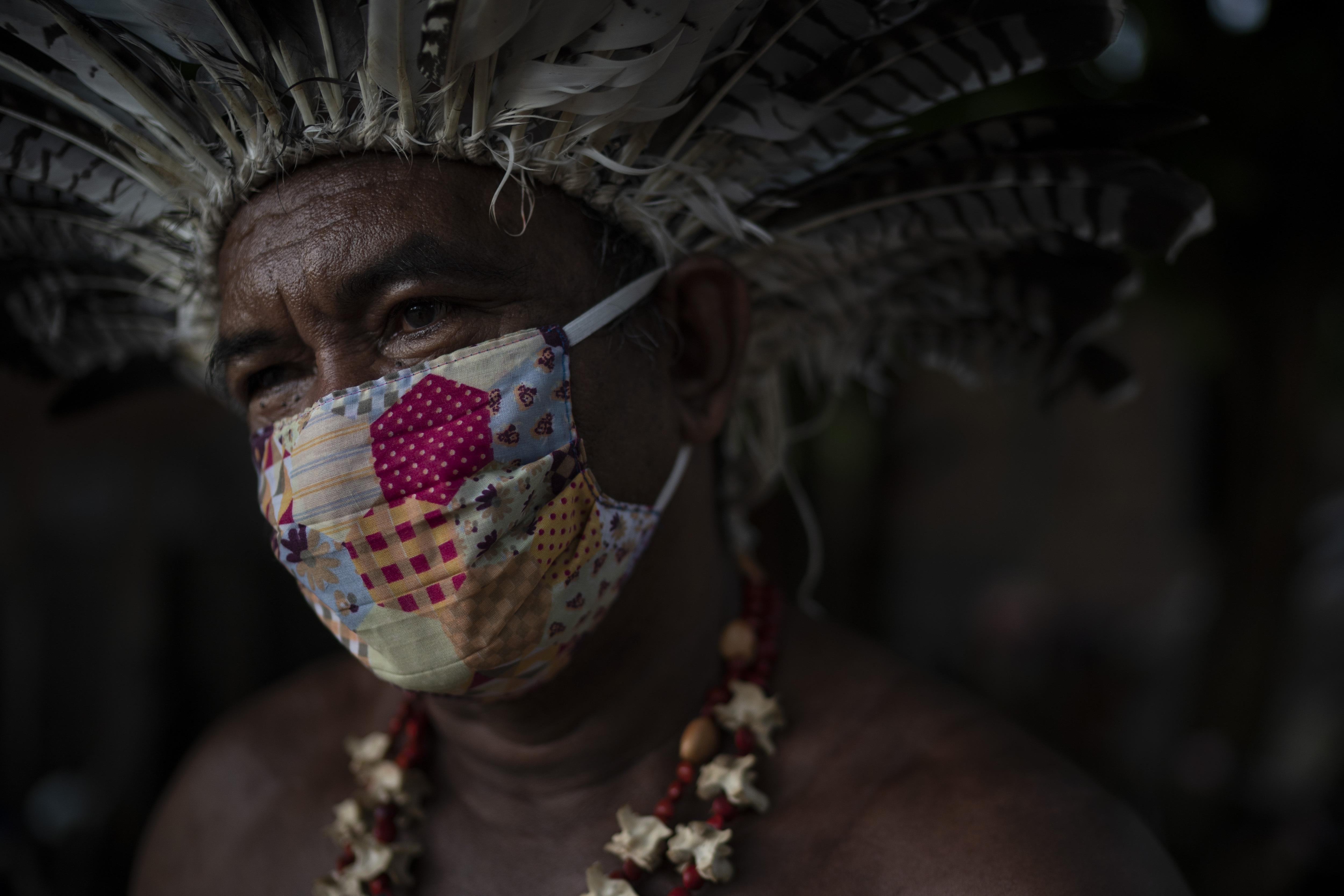 Педро душ Сантуш, лидер сообщества подназванием «Парк коренных народов», вМанаусе.