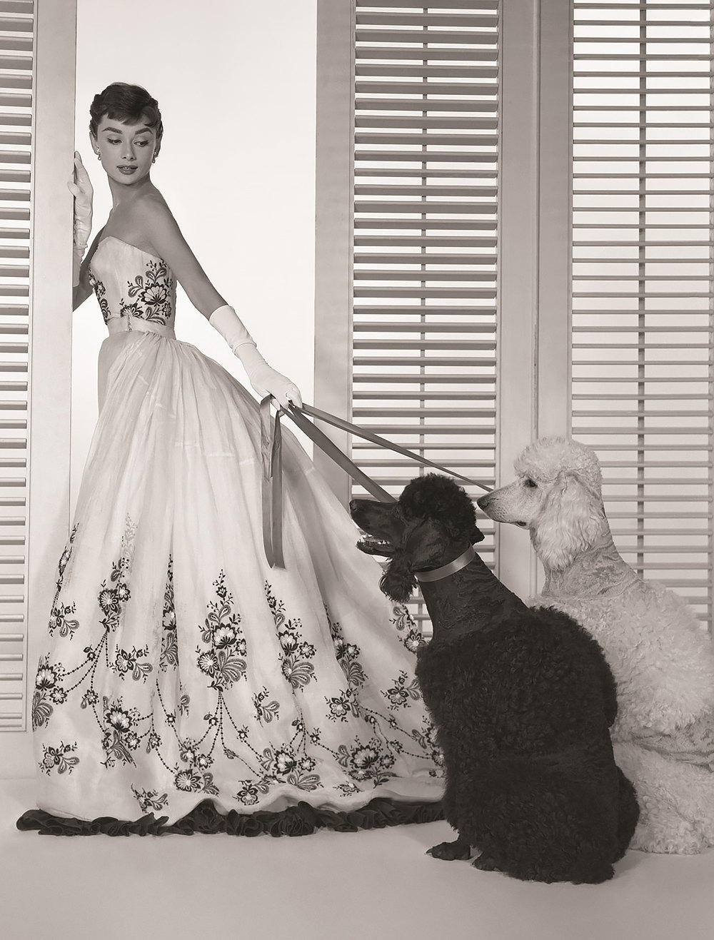 Одри Хепберн вплатье Givenchy вфильме «Сабрина», 1954