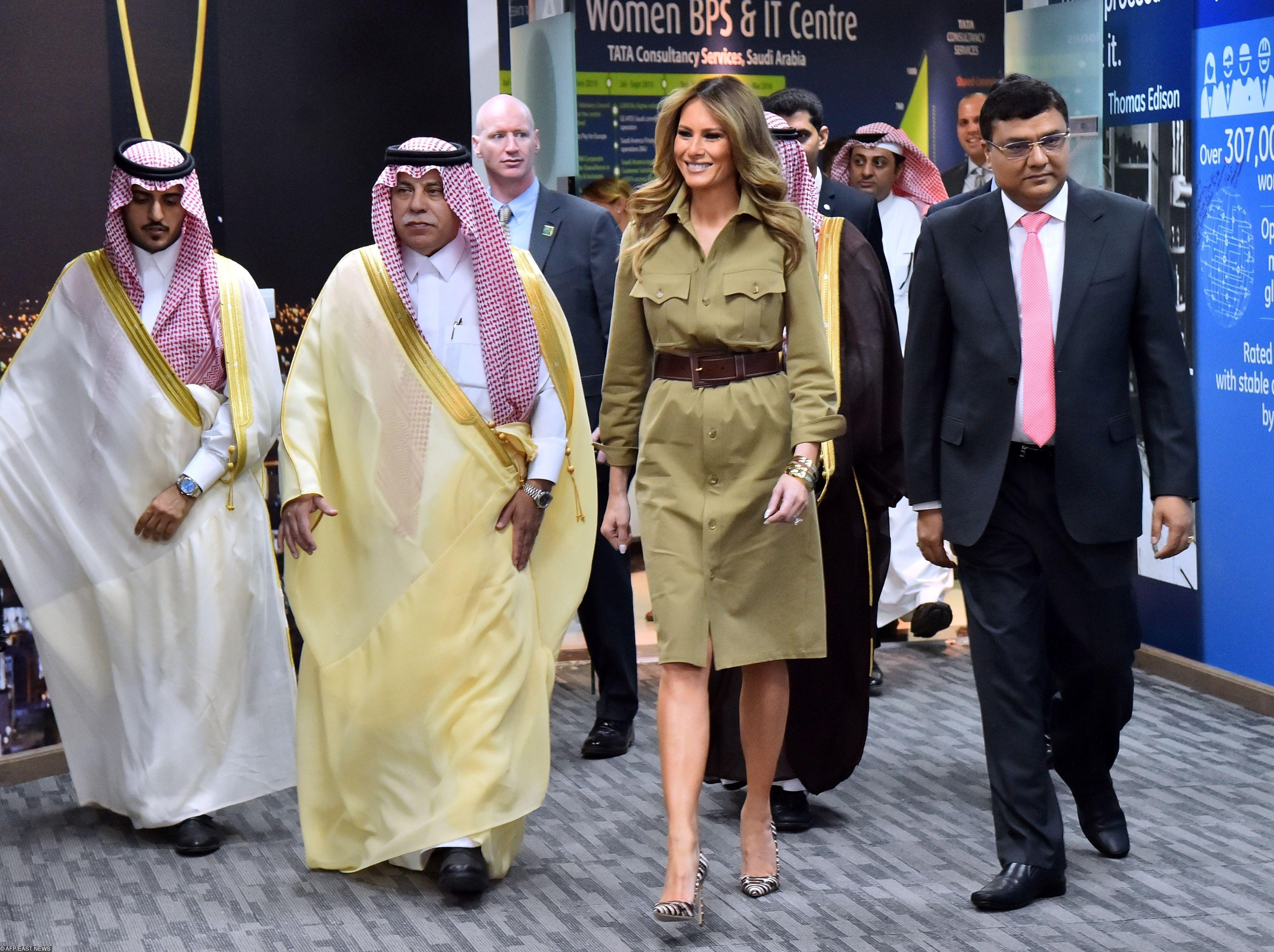 Мелания вСаудовской Аравии вплатье Ralph Lauren
