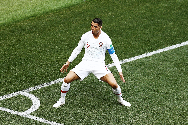 Криштиану Роналду отмечает свой четвертый гол начемпионате мира. Португалец открыл счет вматче сМарокко.