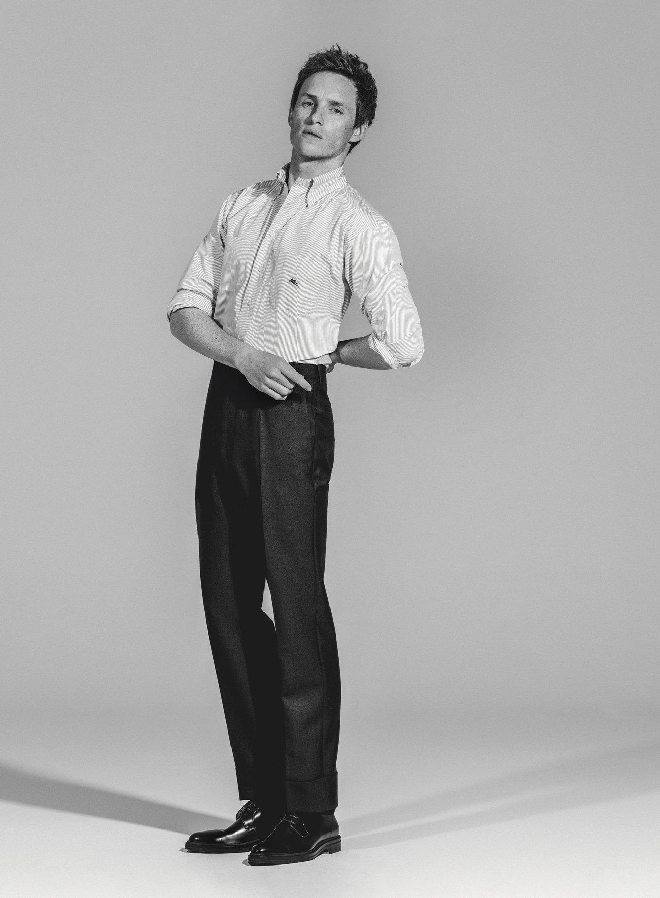 Рубашка Etro;  брюки Prada; дерби Boss