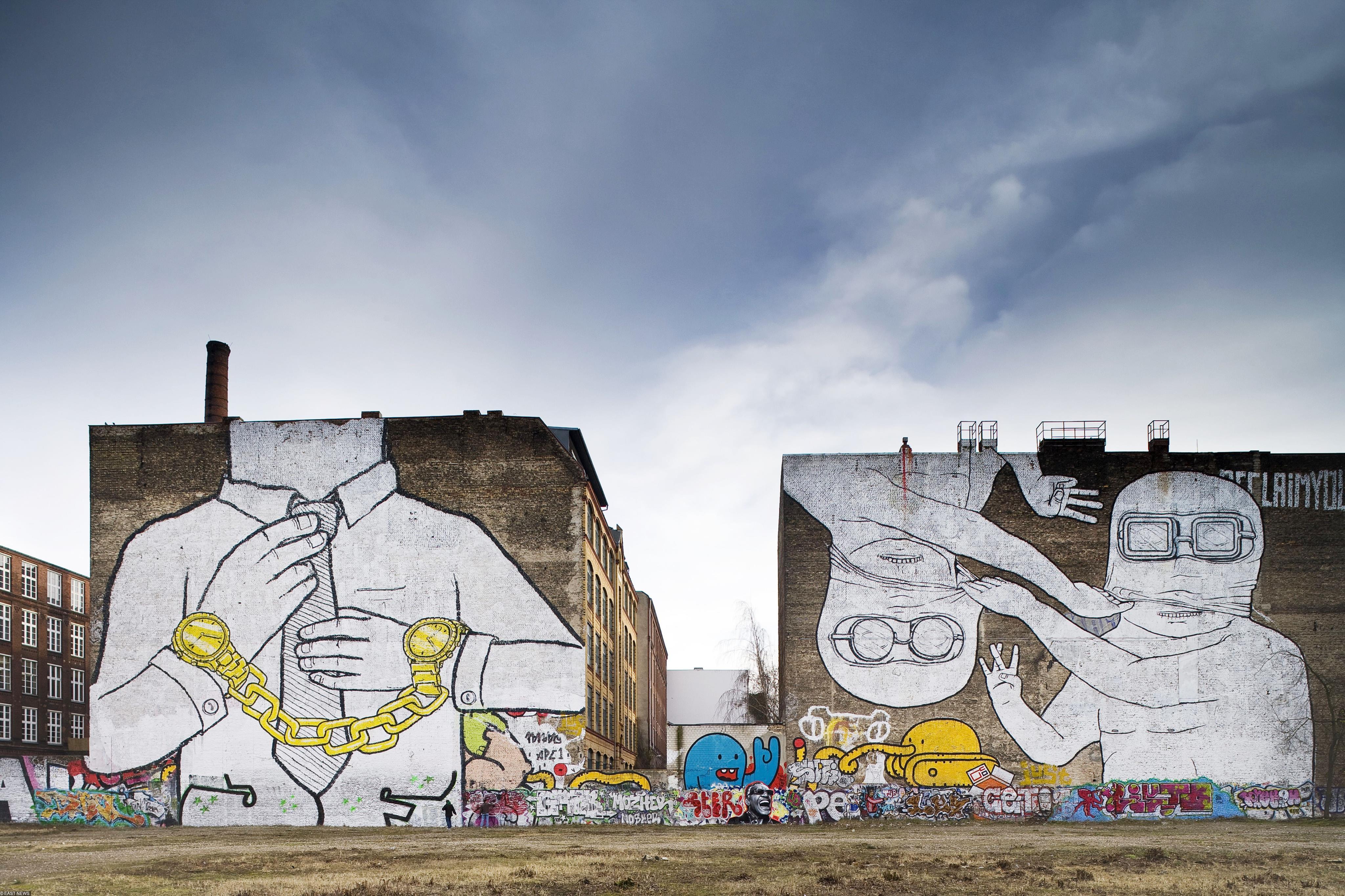 Граффити знаменитого уличного художника Blu вКройцберге (сейчас этих работ уже нет)