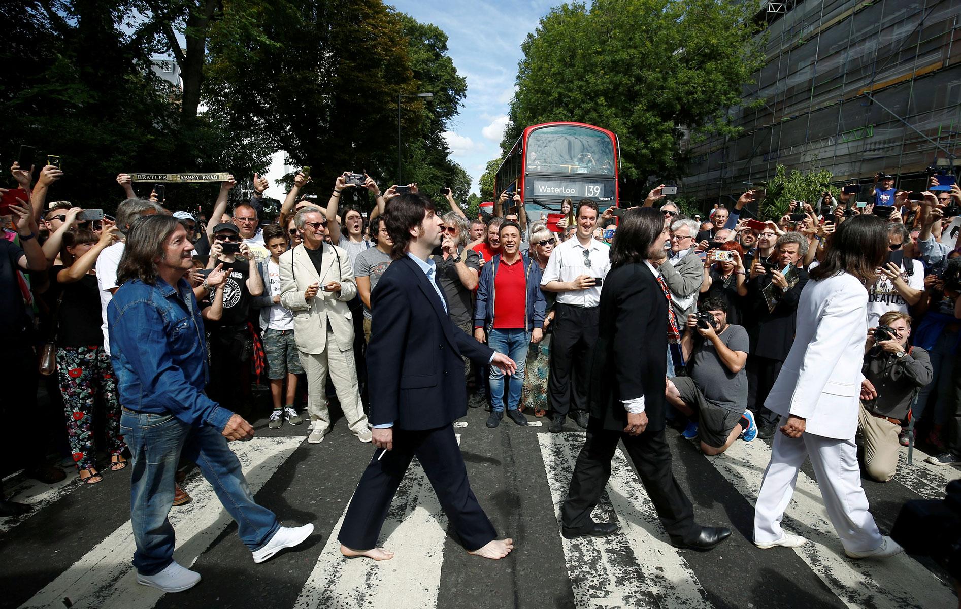 Фанаты The Beatles 8 августа 2019 года.
