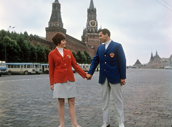 Парадная форма советских спортсменов длялетней Олимпиады вМехико, 1968 год.