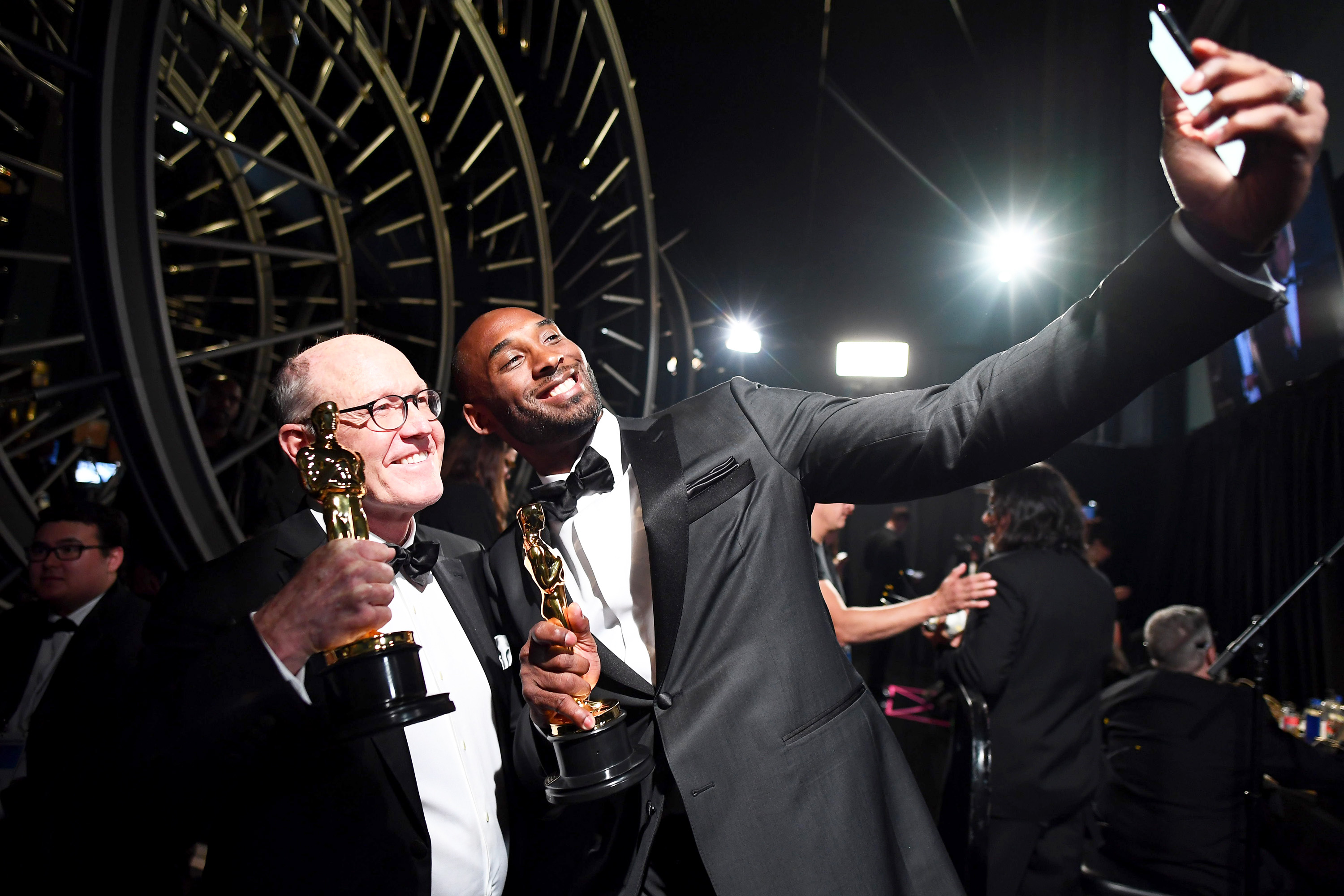 HOLLYWOOD, CA - MARCH 04: In this handout provided by A.M.P.A.S., Glen Keane and Kobe Bryant attend the 90th Annual Academy Awards at the Dolby Theatre on March 4, 2018 in Hollywood, California. (Photo by Matt Petit/A.M.P.A.S via Getty Images)