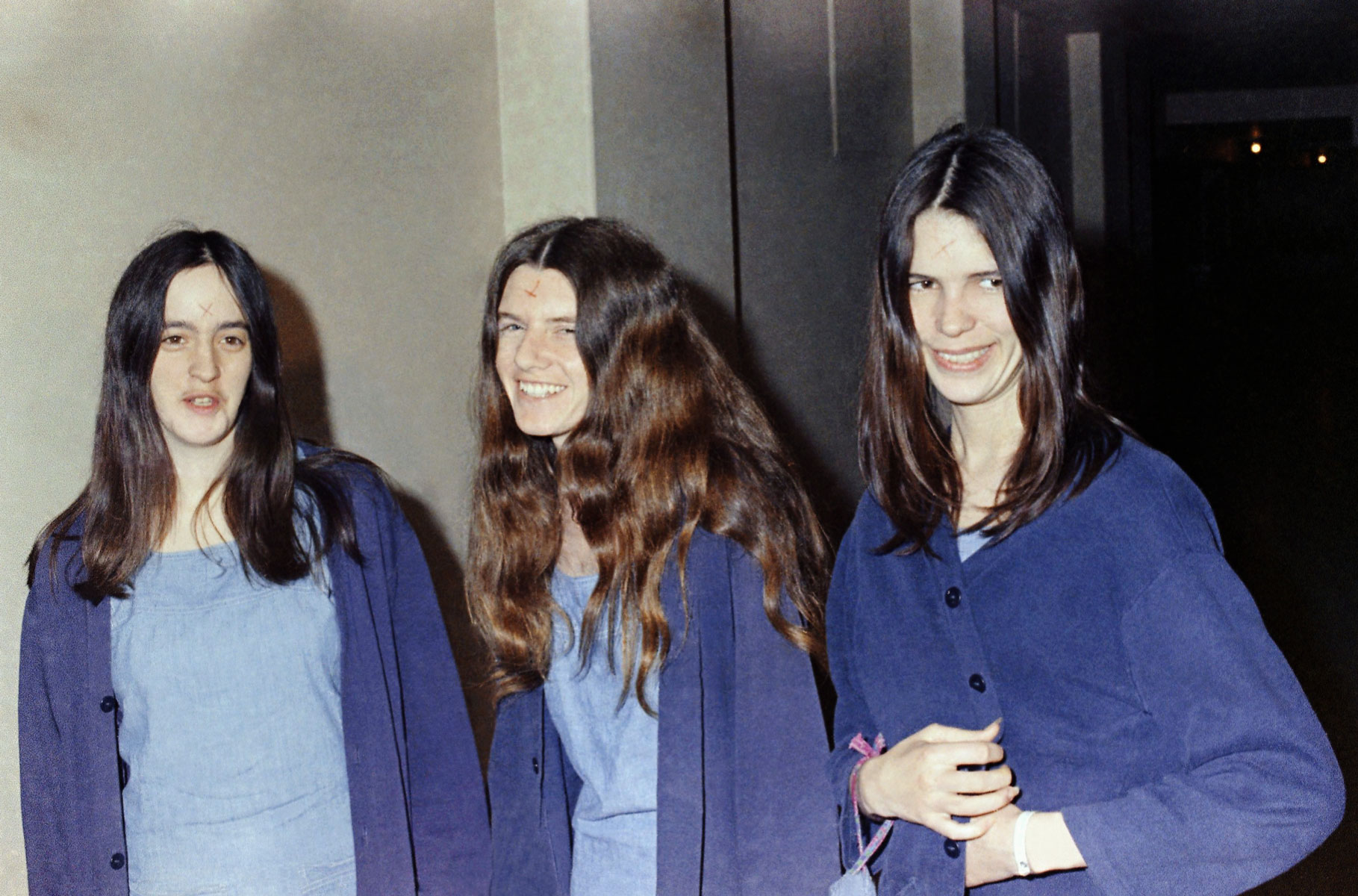 Сьюзан Аткинс, Патрисия Кренуинкел иЛесли ван Хутен всуде, 1970 год.