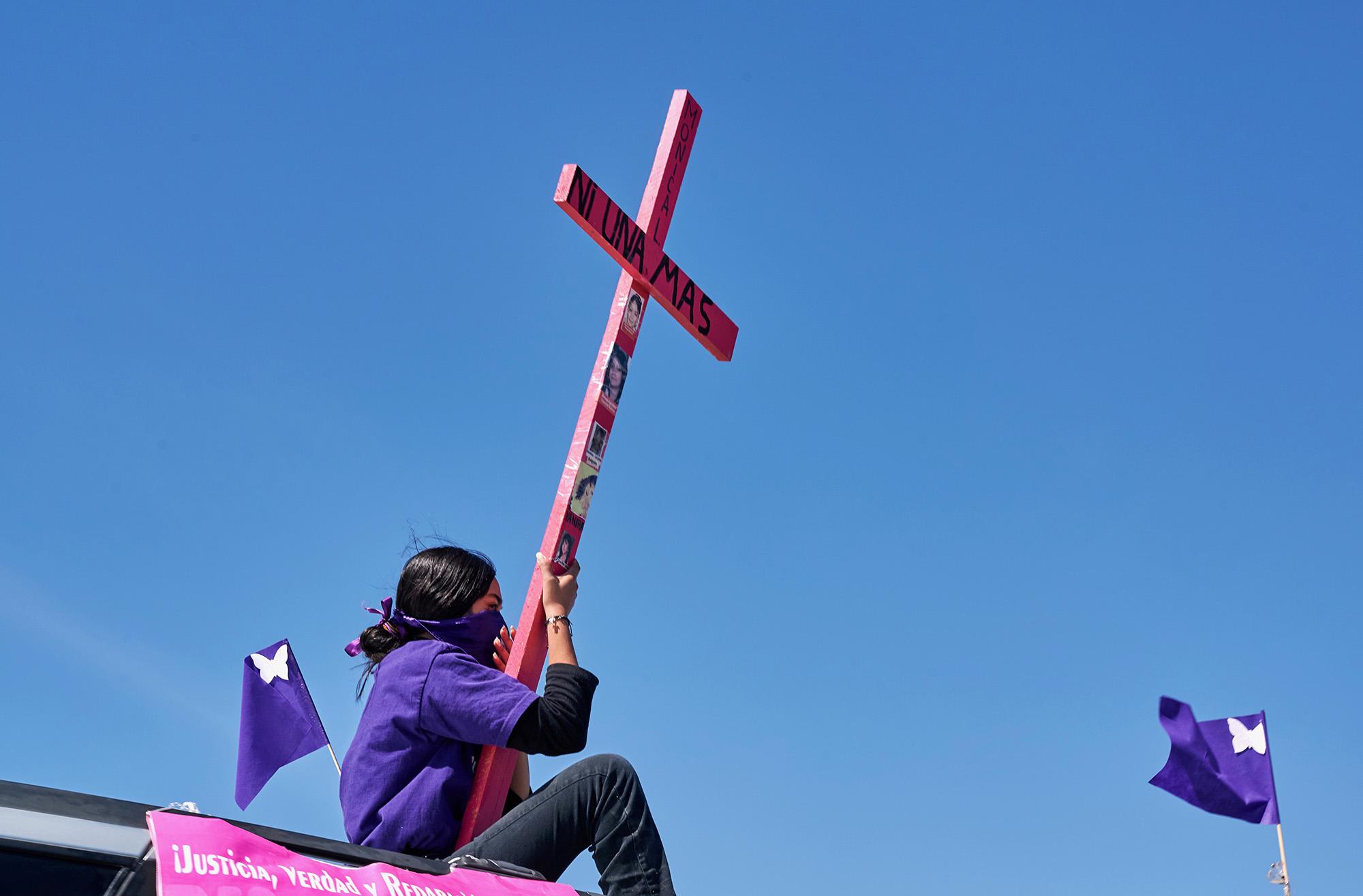 Участница протеста вгороде Сьюдад-Хуарес, Мексика. Встране 8 марта прошла массовая акция против насилия вотношении женщин.