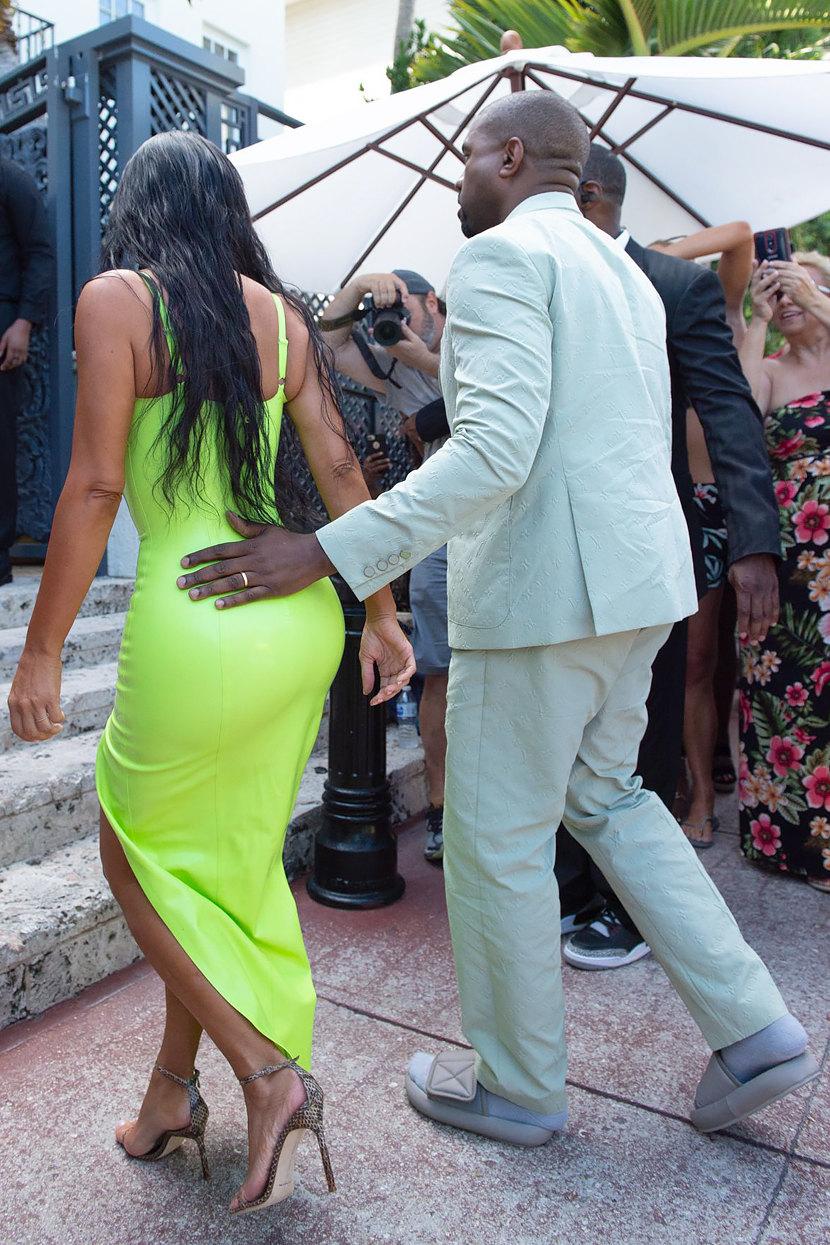 Ким Кардашьян иКанье Уэст насвадьбе рэпера 2Chainz вМайами