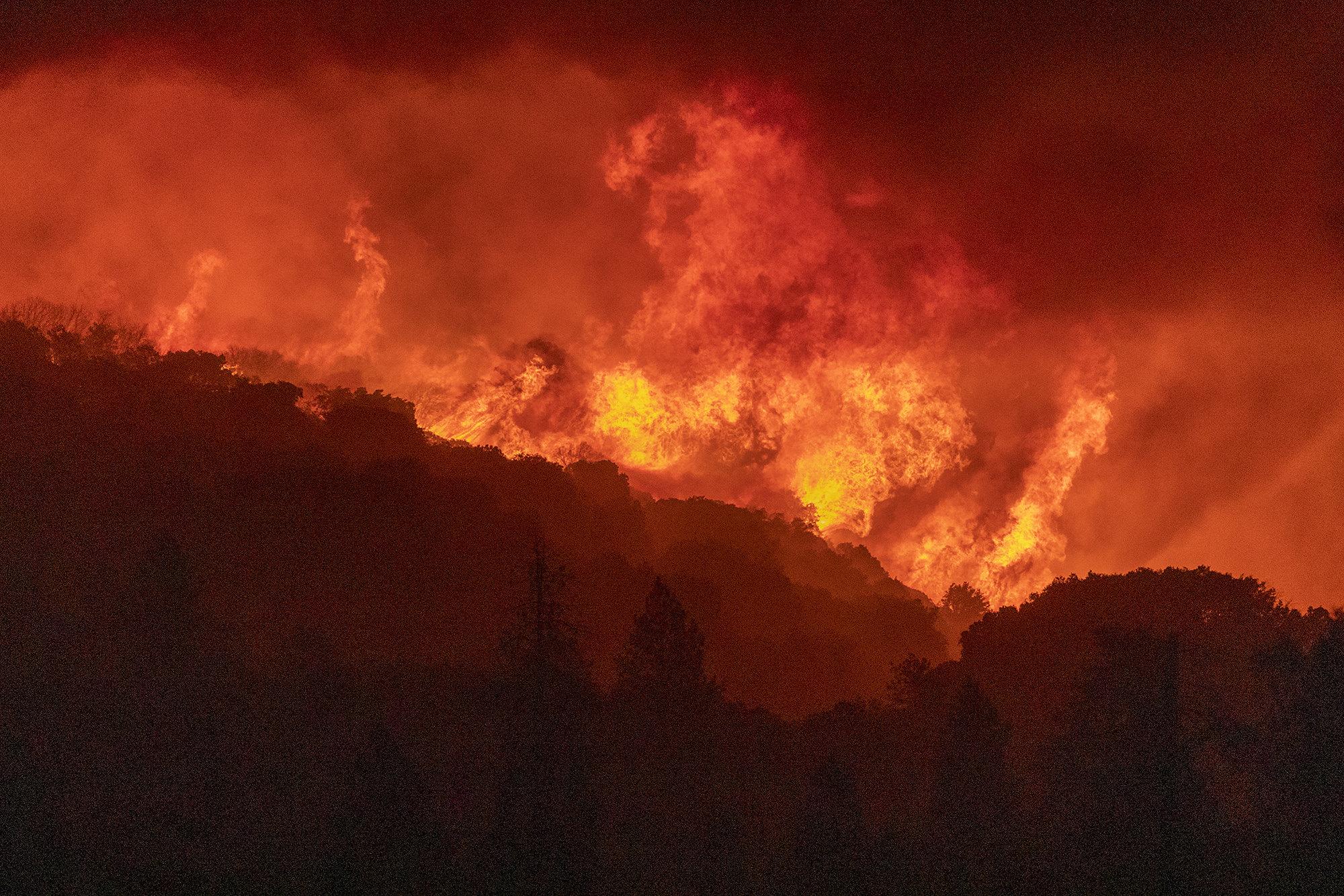 Пожары неподалеку отШейвер Лейк, Калифорния