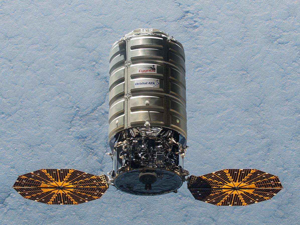 Cygnys — космический частный «грузовик» компании Orbital ATK