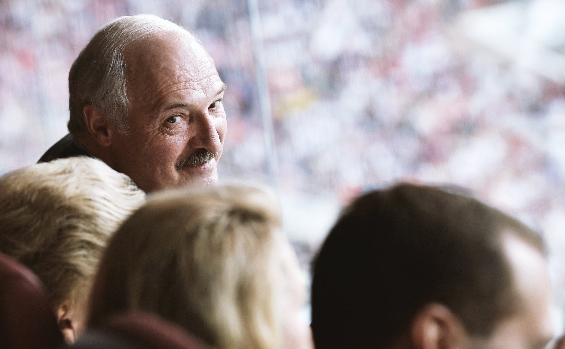 Президент Белоруссии Александр Лукашенко нафинальном матче чемпионата мира пофутболу