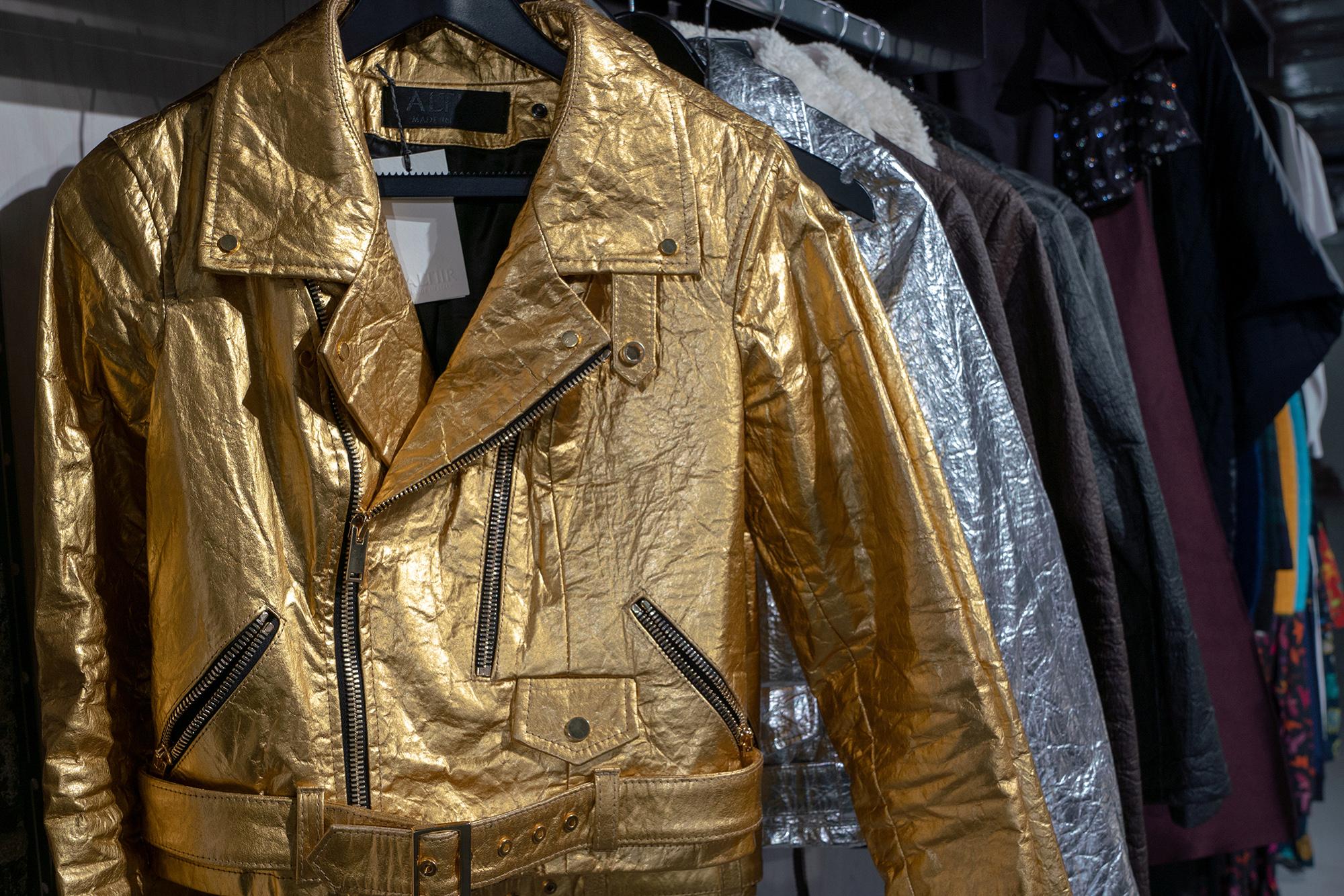 Куртки марки Altiir, сделанные из«ананасовой кожи»