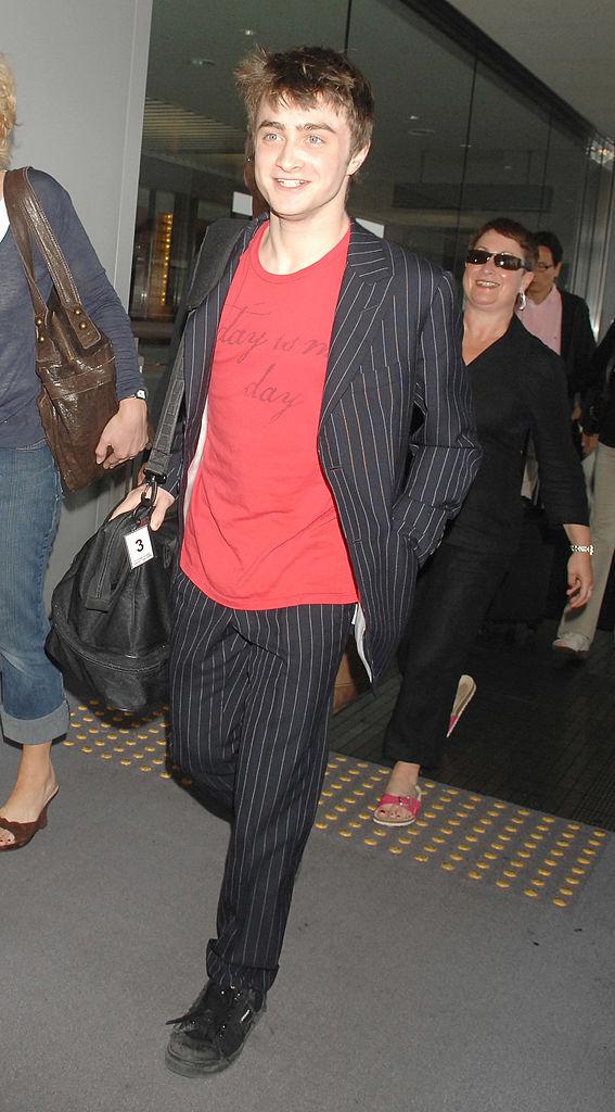Дэниел Рэдклифф ваэропорту Нарита вТокио, 2007